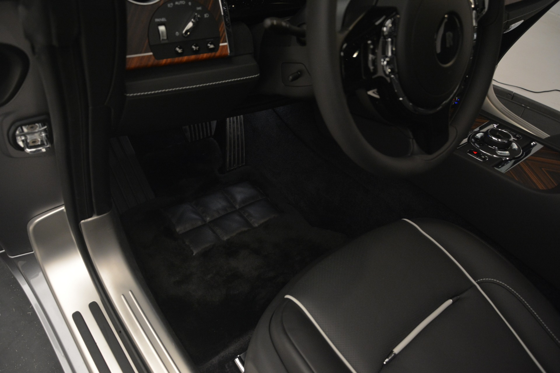 Used 2019 Rolls-Royce Wraith  For Sale In Westport, CT 2688_p32