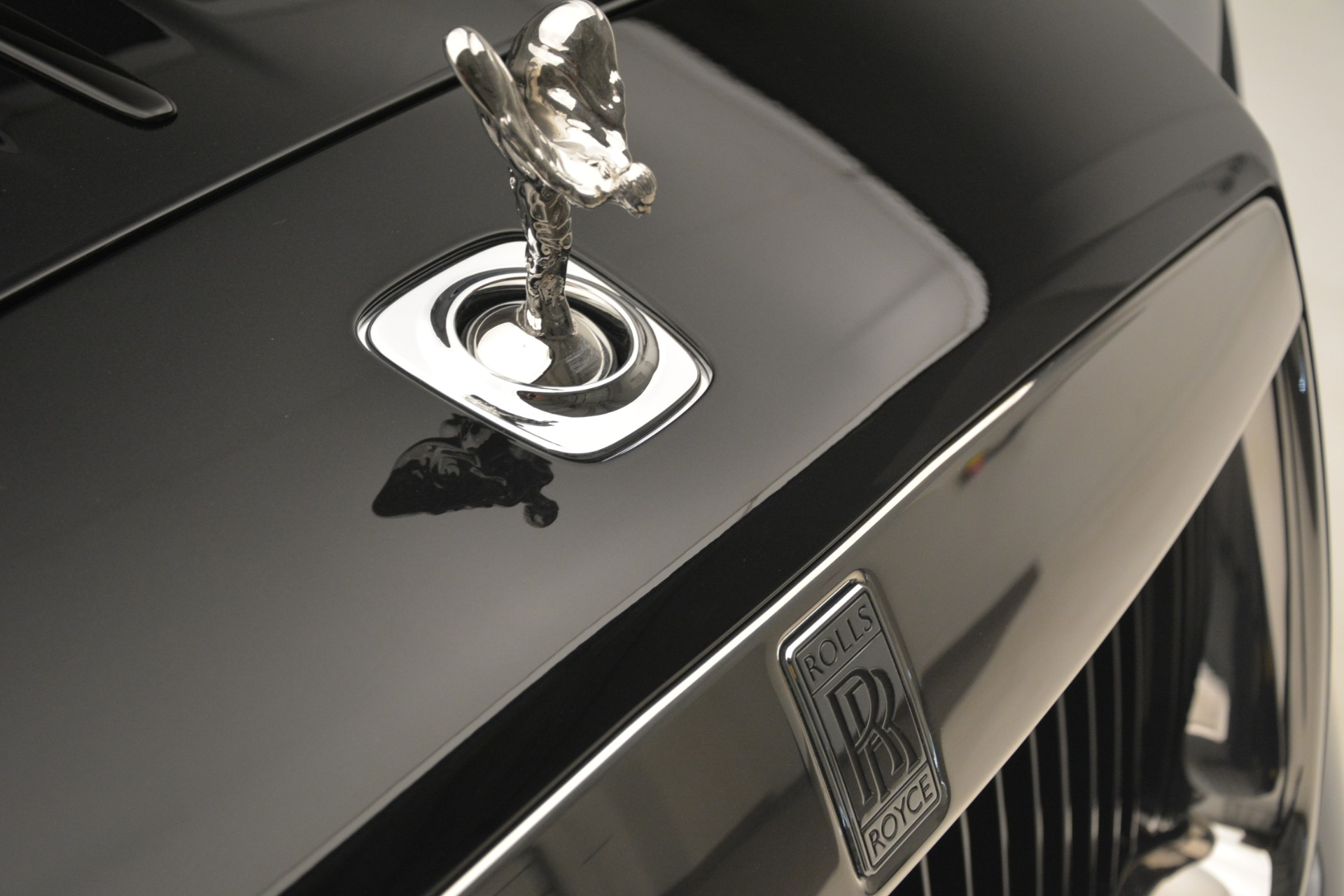 Used 2019 Rolls-Royce Wraith  For Sale In Westport, CT 2688_p38