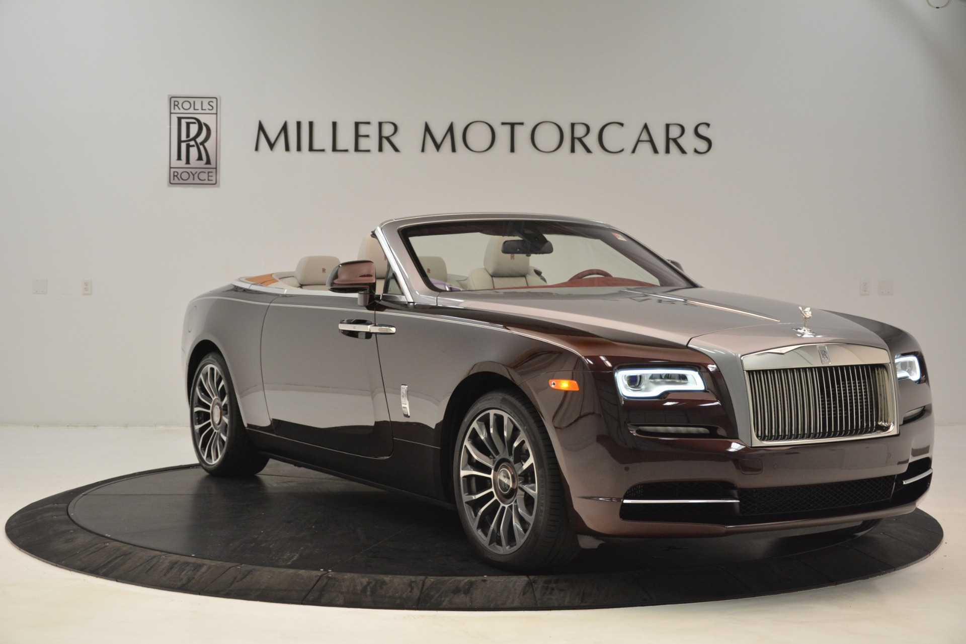 Used 2019 Rolls-Royce Dawn  For Sale In Westport, CT 2692_p12
