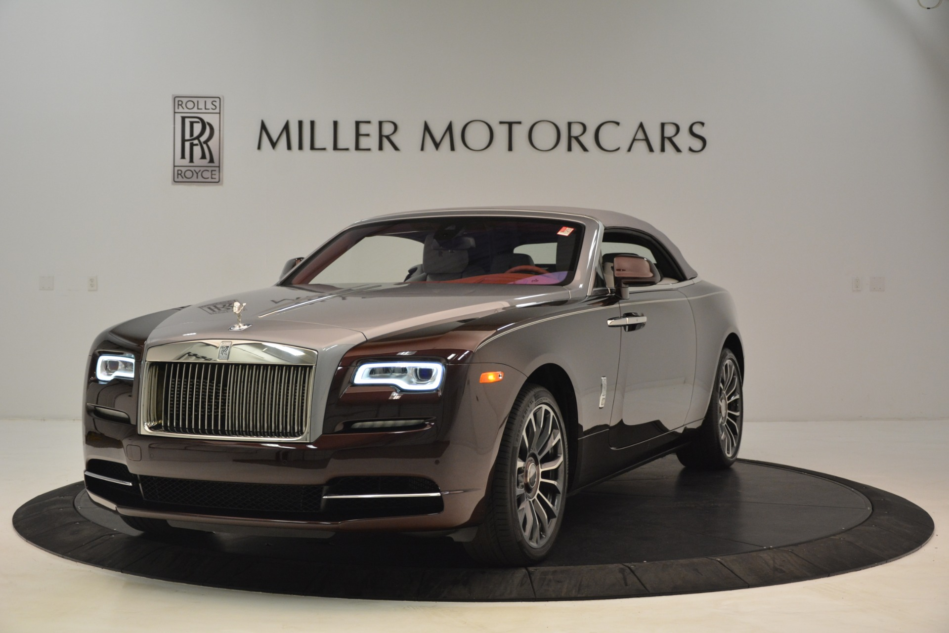 Used 2019 Rolls-Royce Dawn  For Sale In Westport, CT 2692_p14