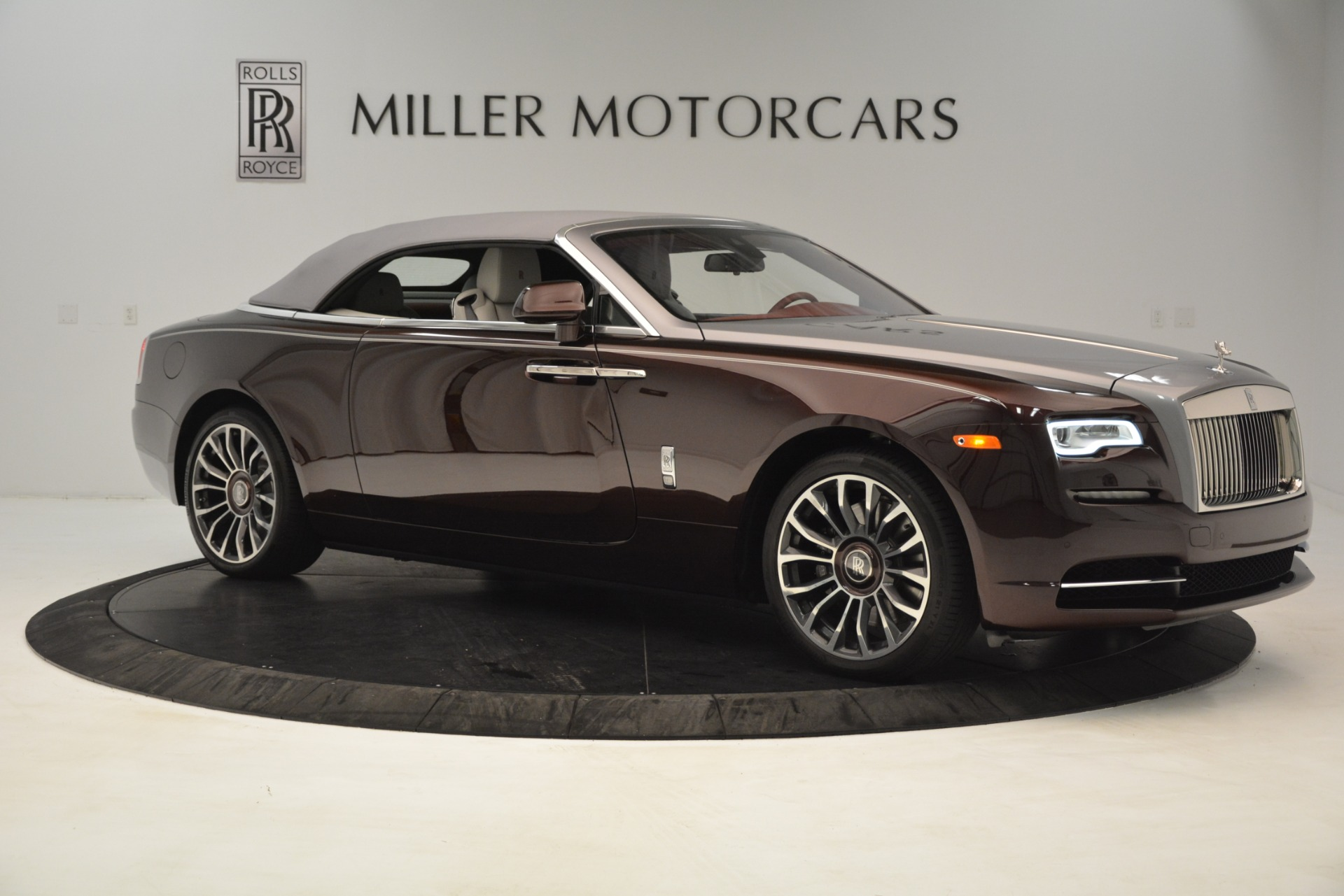Used 2019 Rolls-Royce Dawn  For Sale In Westport, CT 2692_p22
