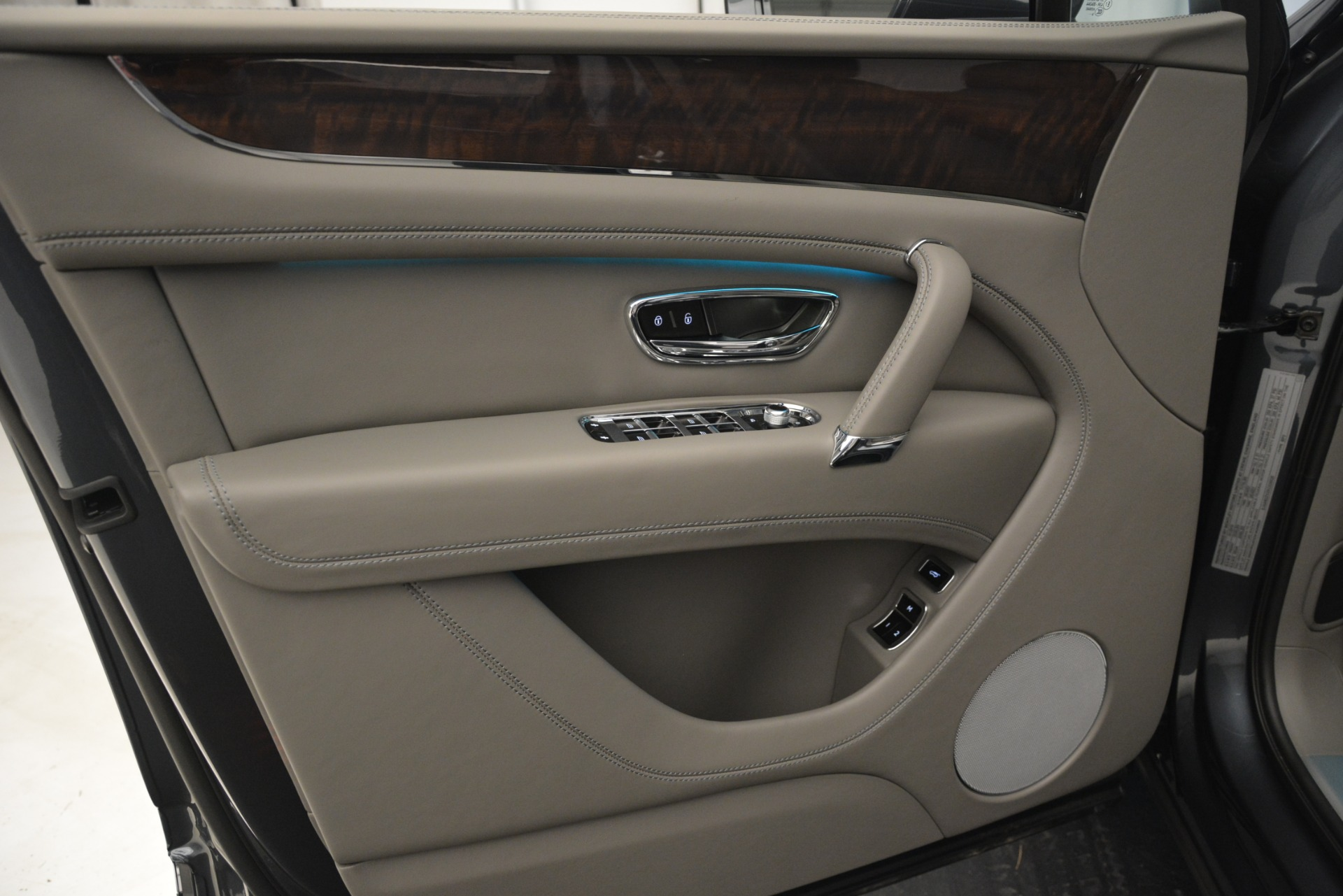 New 2019 Bentley Bentayga V8 For Sale In Westport, CT 2700_p17