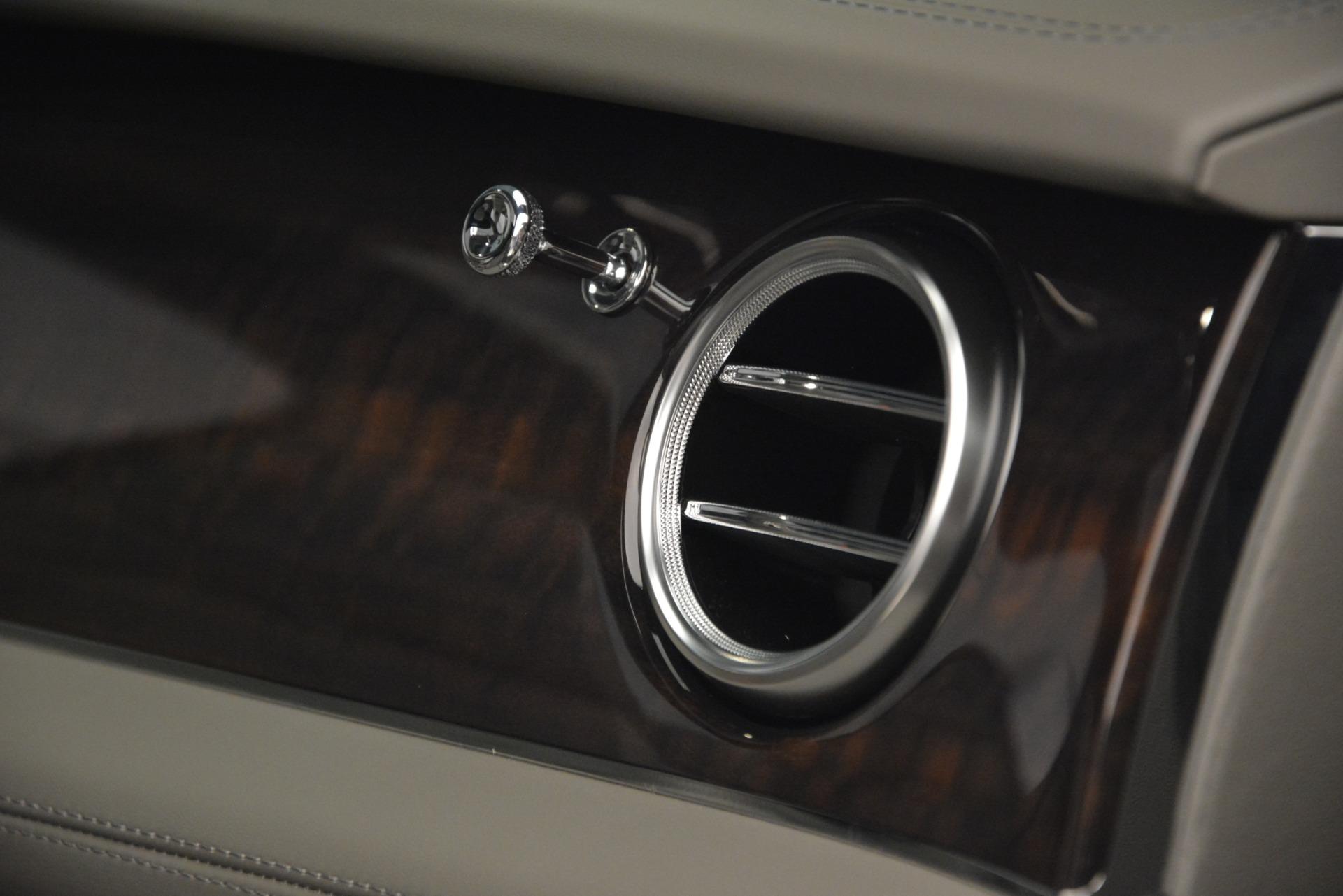 New 2019 Bentley Bentayga V8 For Sale In Westport, CT 2700_p23