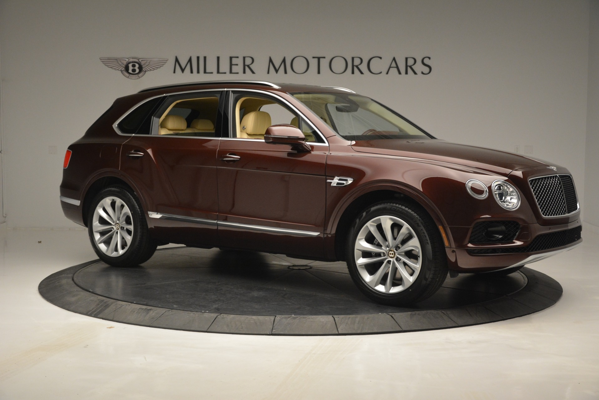 Used 2019 Bentley Bentayga V8 For Sale In Westport, CT 2702_p10