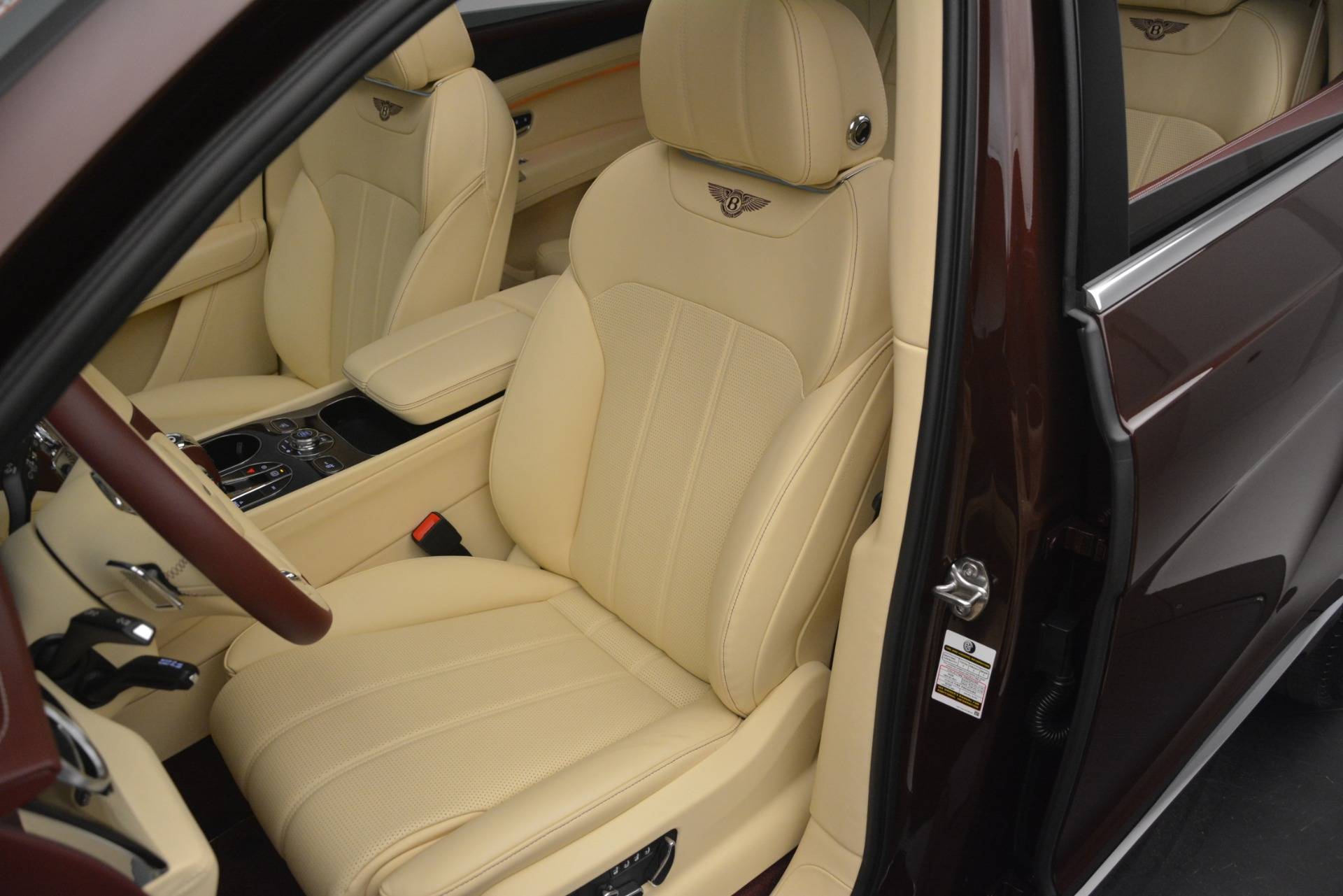 Used 2019 Bentley Bentayga V8 For Sale In Westport, CT 2702_p20