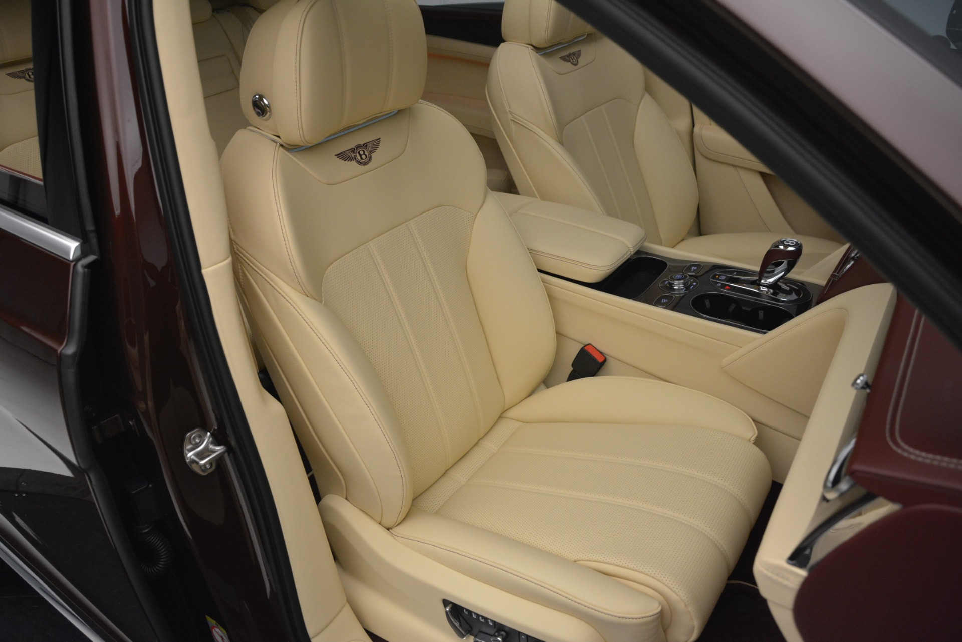 Used 2019 Bentley Bentayga V8 For Sale In Westport, CT 2702_p28