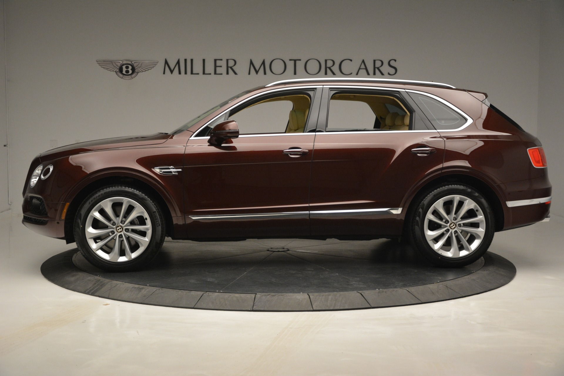 Used 2019 Bentley Bentayga V8 For Sale In Westport, CT 2702_p3