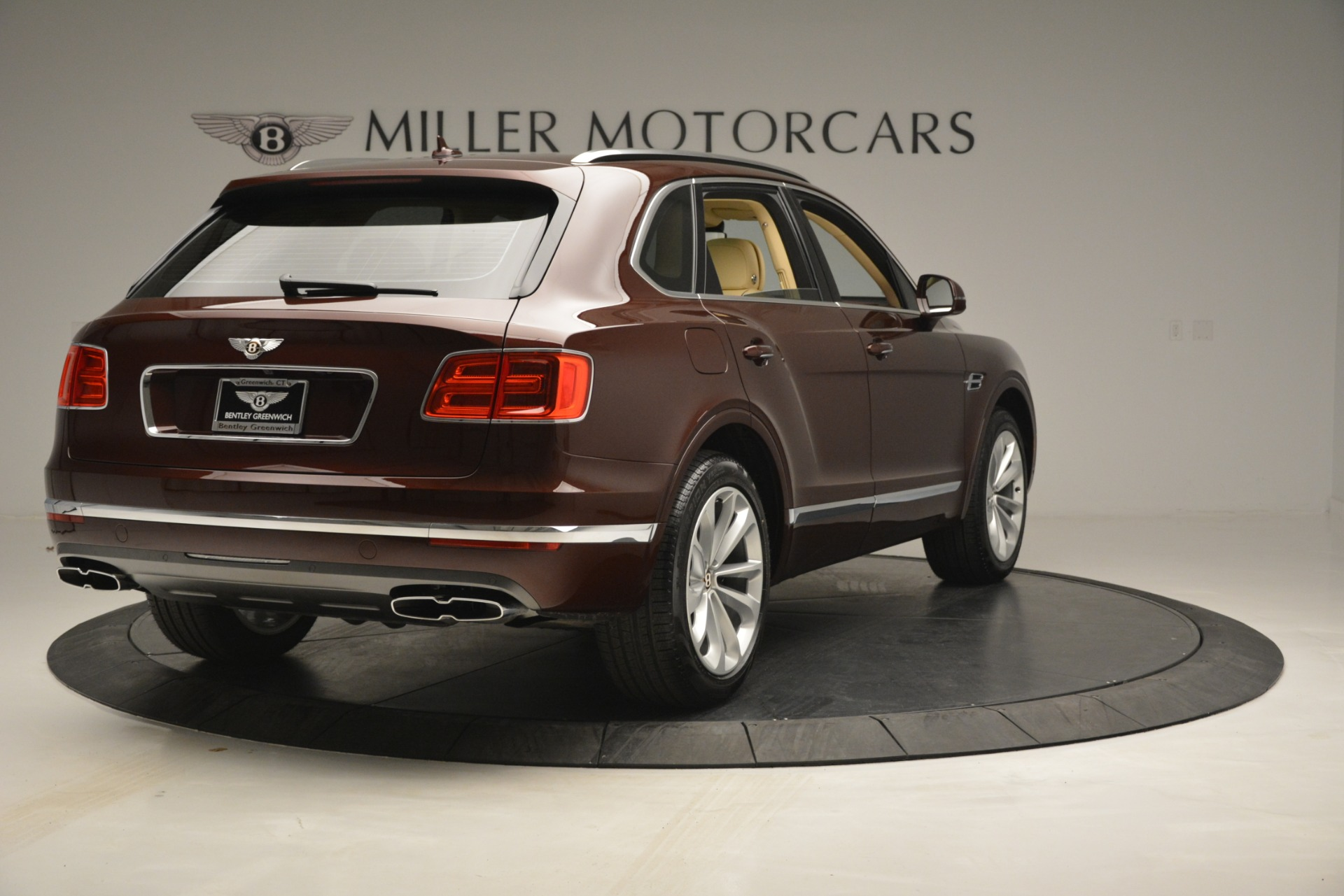 Used 2019 Bentley Bentayga V8 For Sale In Westport, CT 2702_p7
