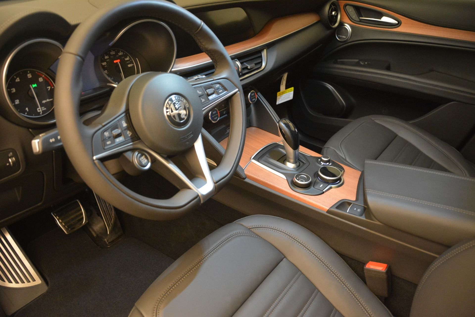New 2018 Alfa Romeo Stelvio Ti Lusso Q4 For Sale In Westport, CT 2704_p13