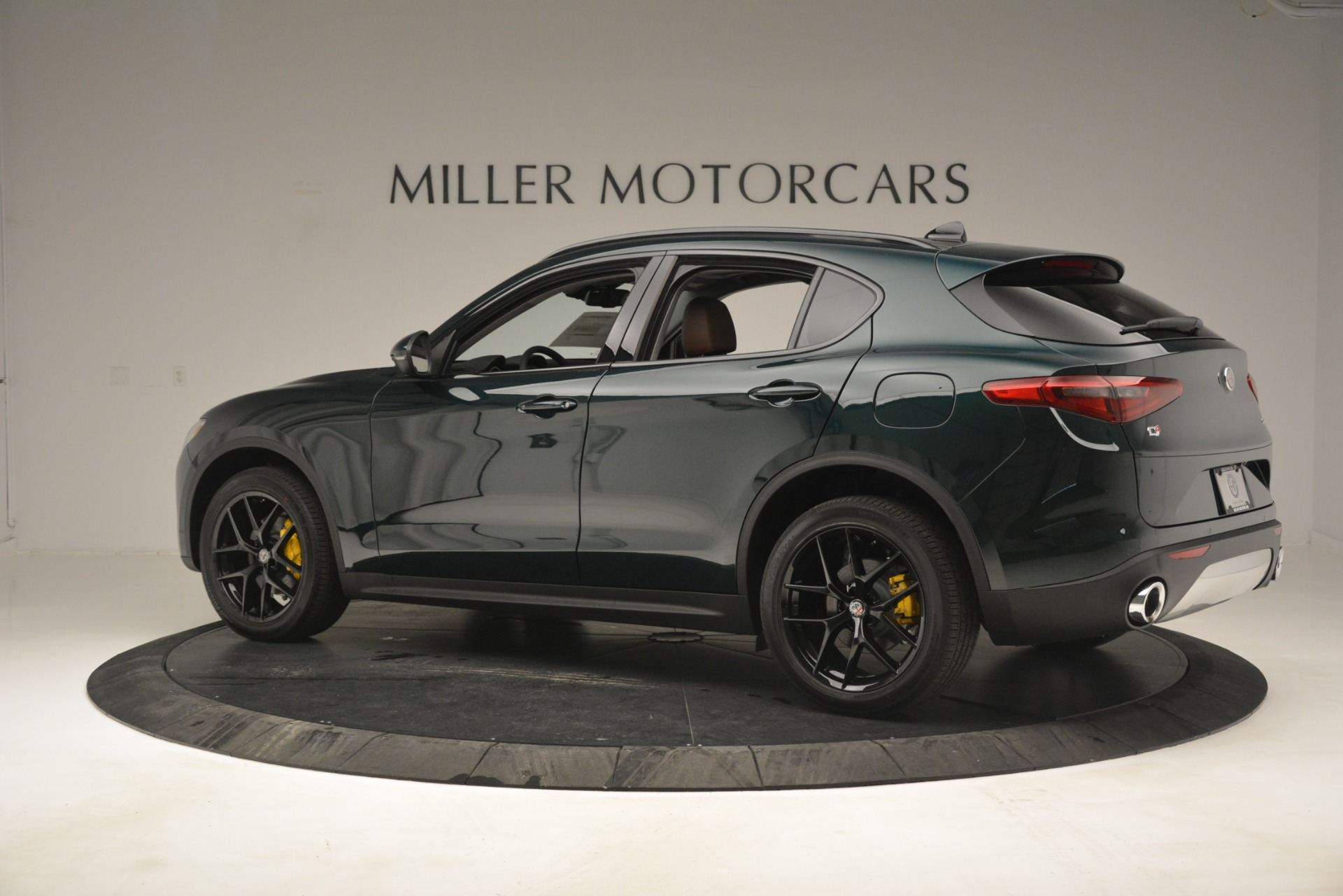 New 2019 Alfa Romeo Stelvio Sport Q4 For Sale In Westport, CT 2709_p4