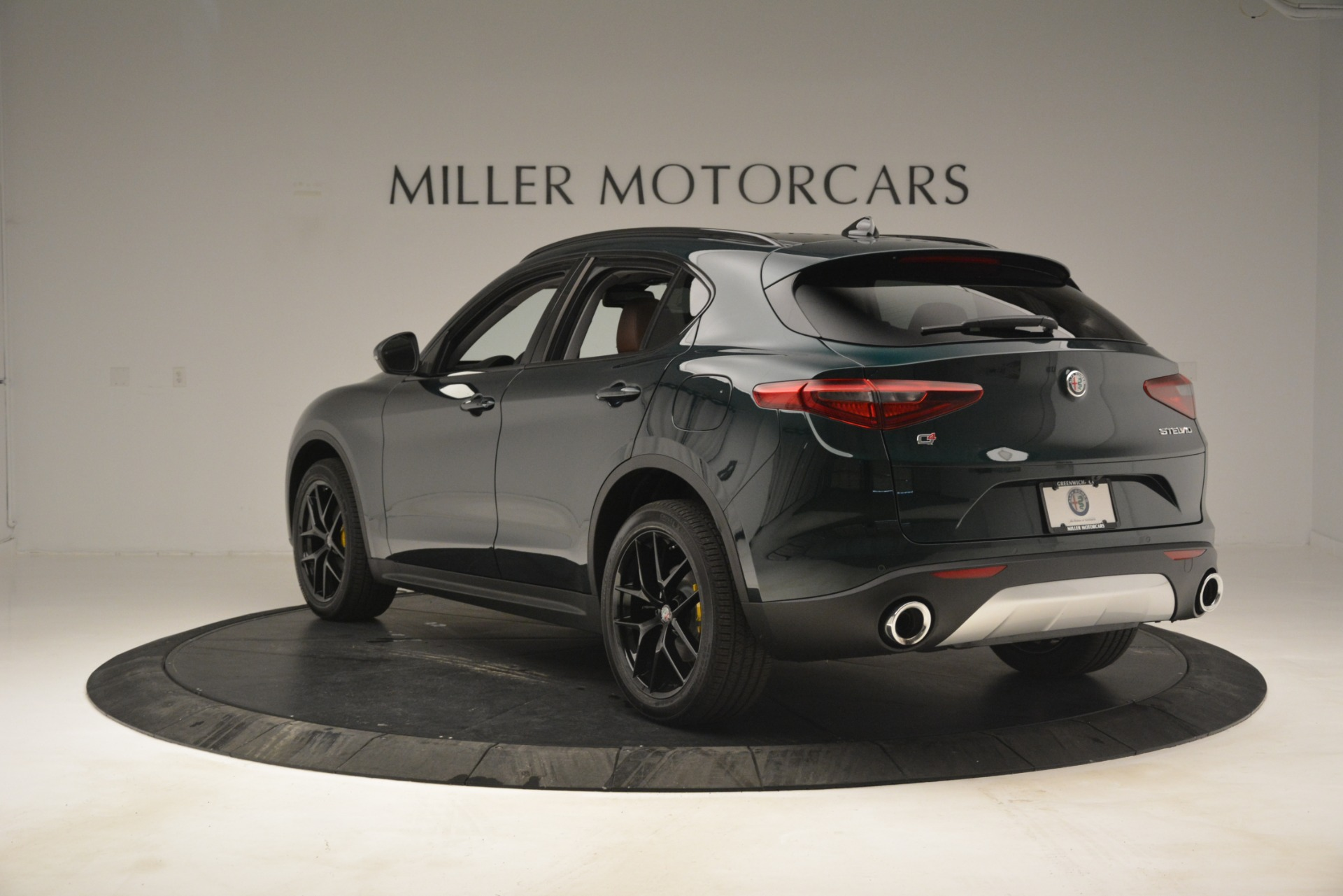 New 2019 Alfa Romeo Stelvio Sport Q4 For Sale In Westport, CT 2709_p5