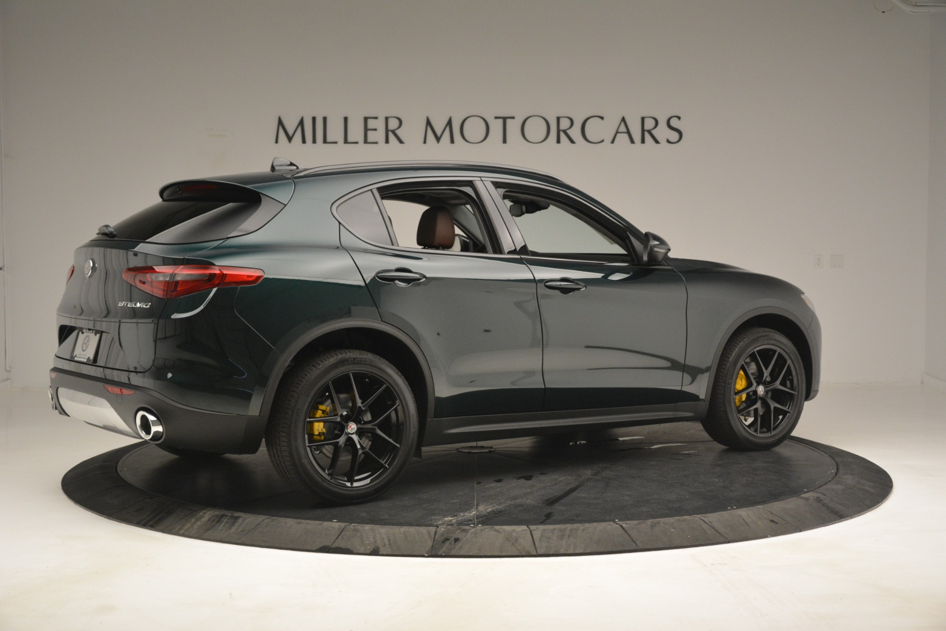 New 2019 Alfa Romeo Stelvio Sport Q4 For Sale In Westport, CT 2709_p8