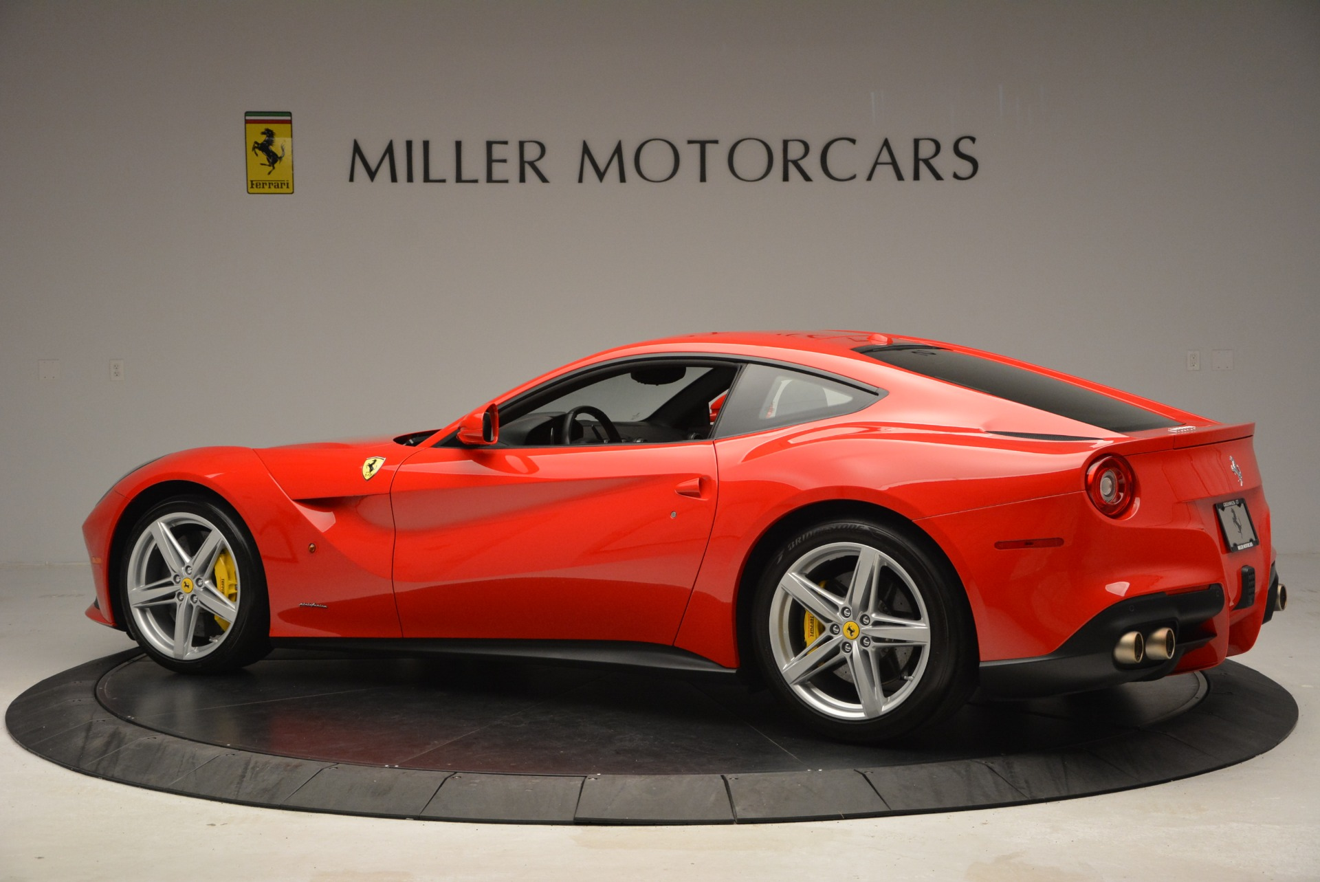 Used 2015 Ferrari F12 Berlinetta  For Sale In Westport, CT 2717_p4