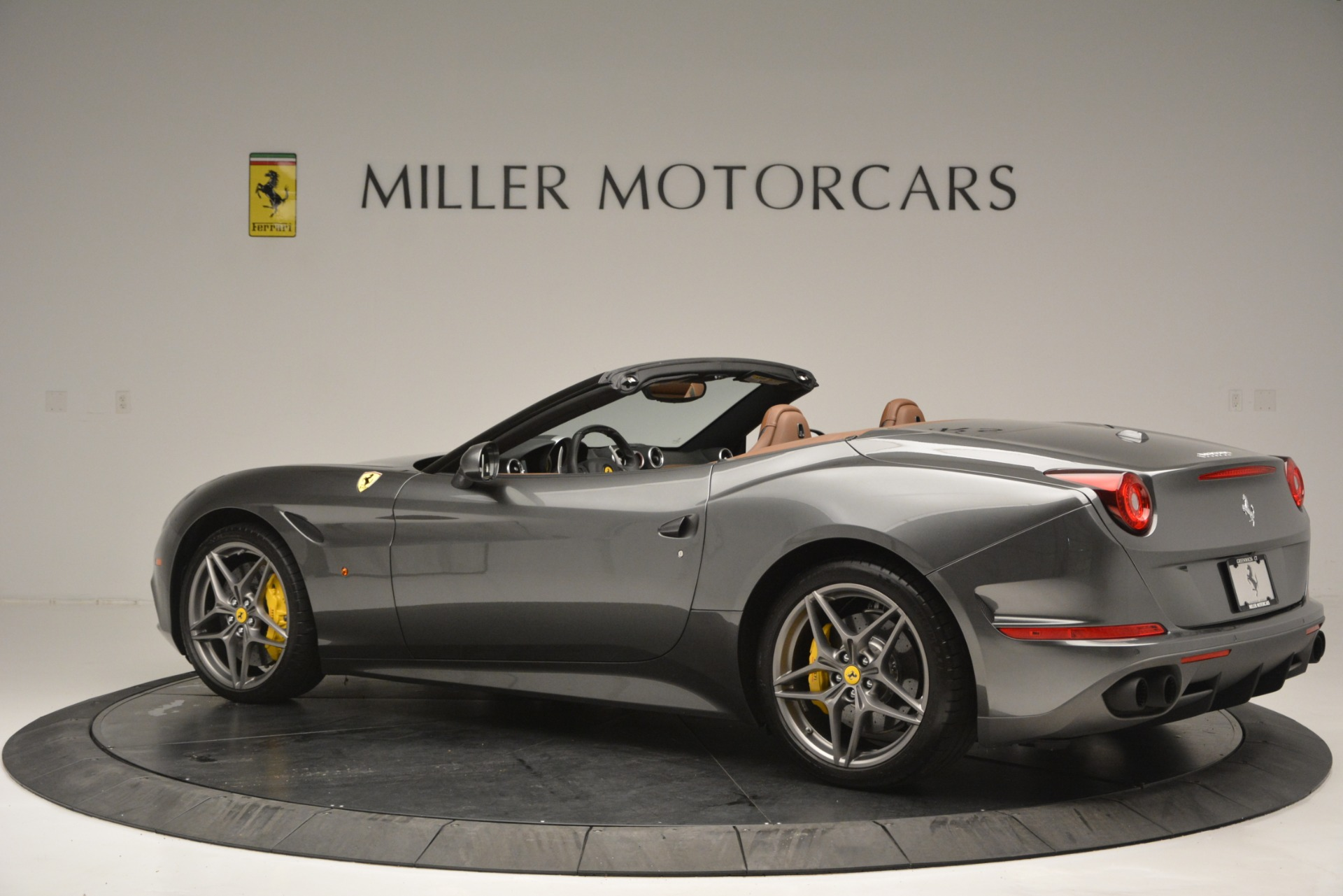 Used 2016 Ferrari California T Handling Speciale For Sale In Westport, CT 2721_p4