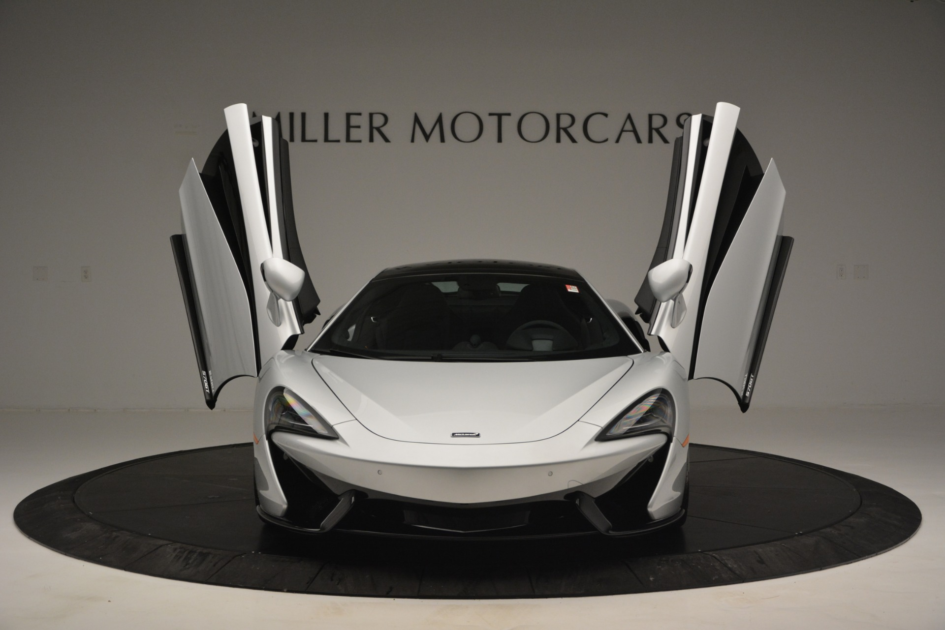 New 2019 McLaren 570GT  For Sale In Westport, CT 2725_p13