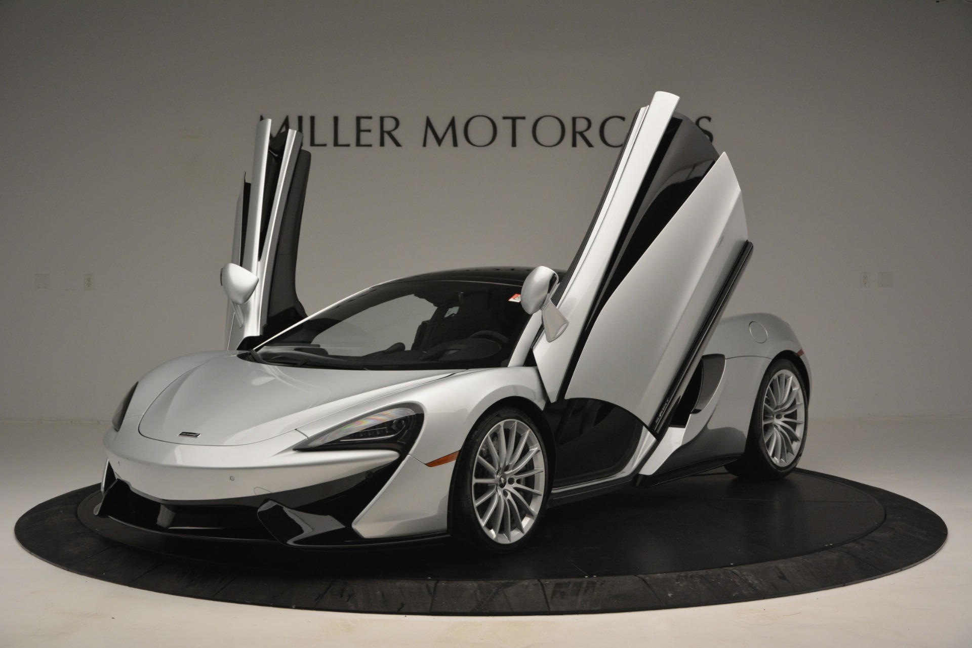 New 2019 McLaren 570GT  For Sale In Westport, CT 2725_p14