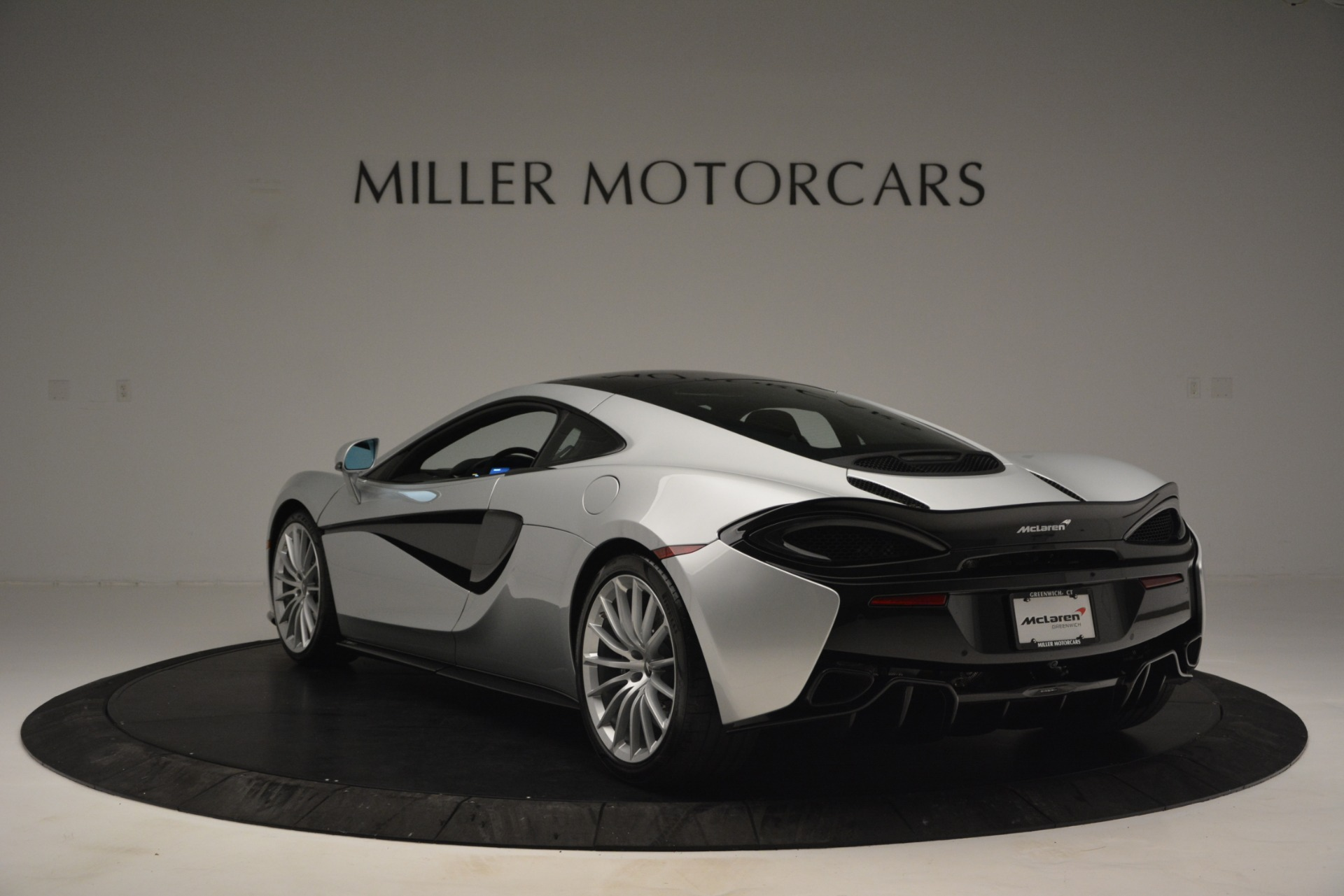 New 2019 McLaren 570GT  For Sale In Westport, CT 2725_p5