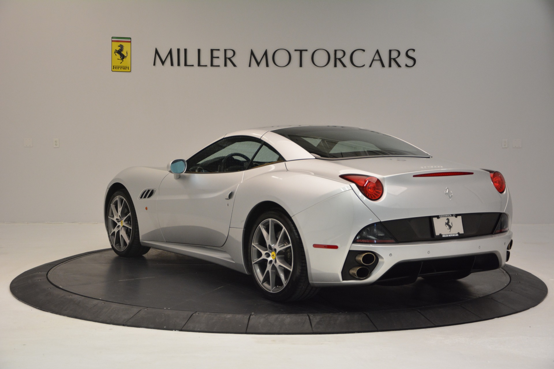 Used 2010 Ferrari California  For Sale In Westport, CT 2732_p17