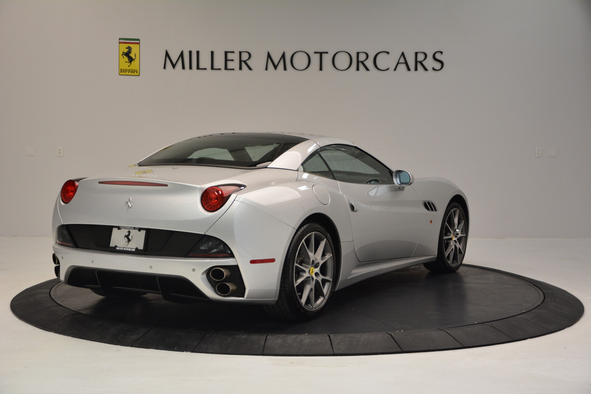 Used 2010 Ferrari California  For Sale In Westport, CT 2732_p19