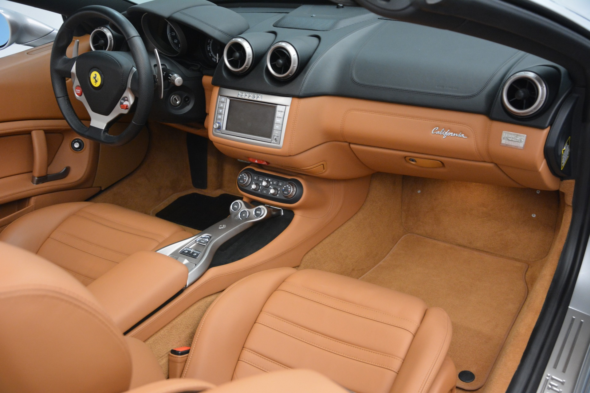 Used 2010 Ferrari California  For Sale In Westport, CT 2732_p29