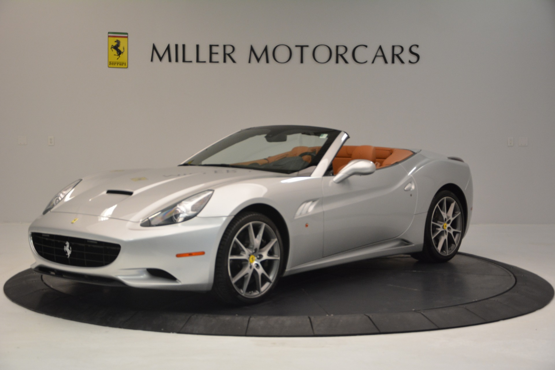 Used 2010 Ferrari California  For Sale In Westport, CT 2732_p2