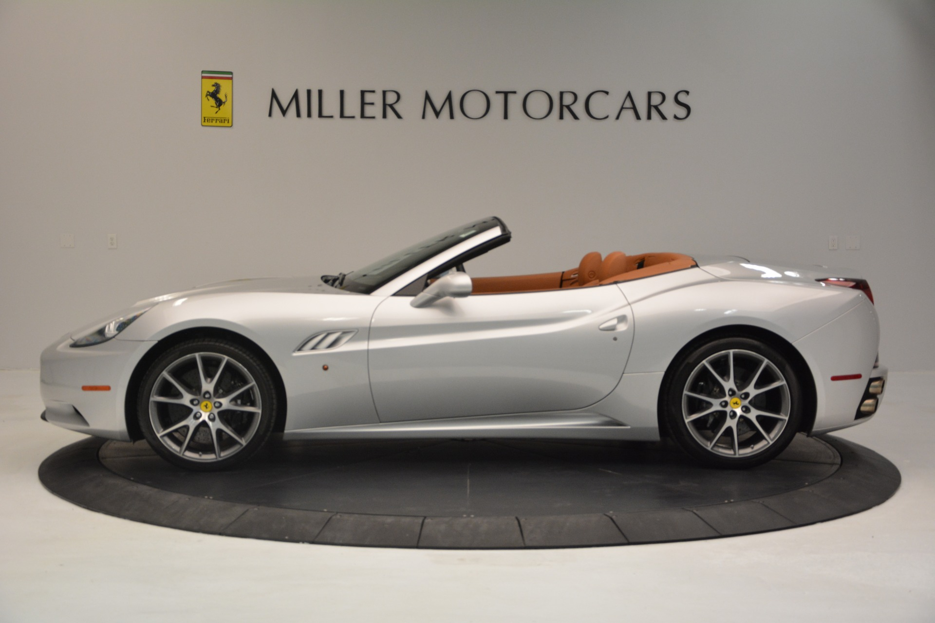 Used 2010 Ferrari California  For Sale In Westport, CT 2732_p3