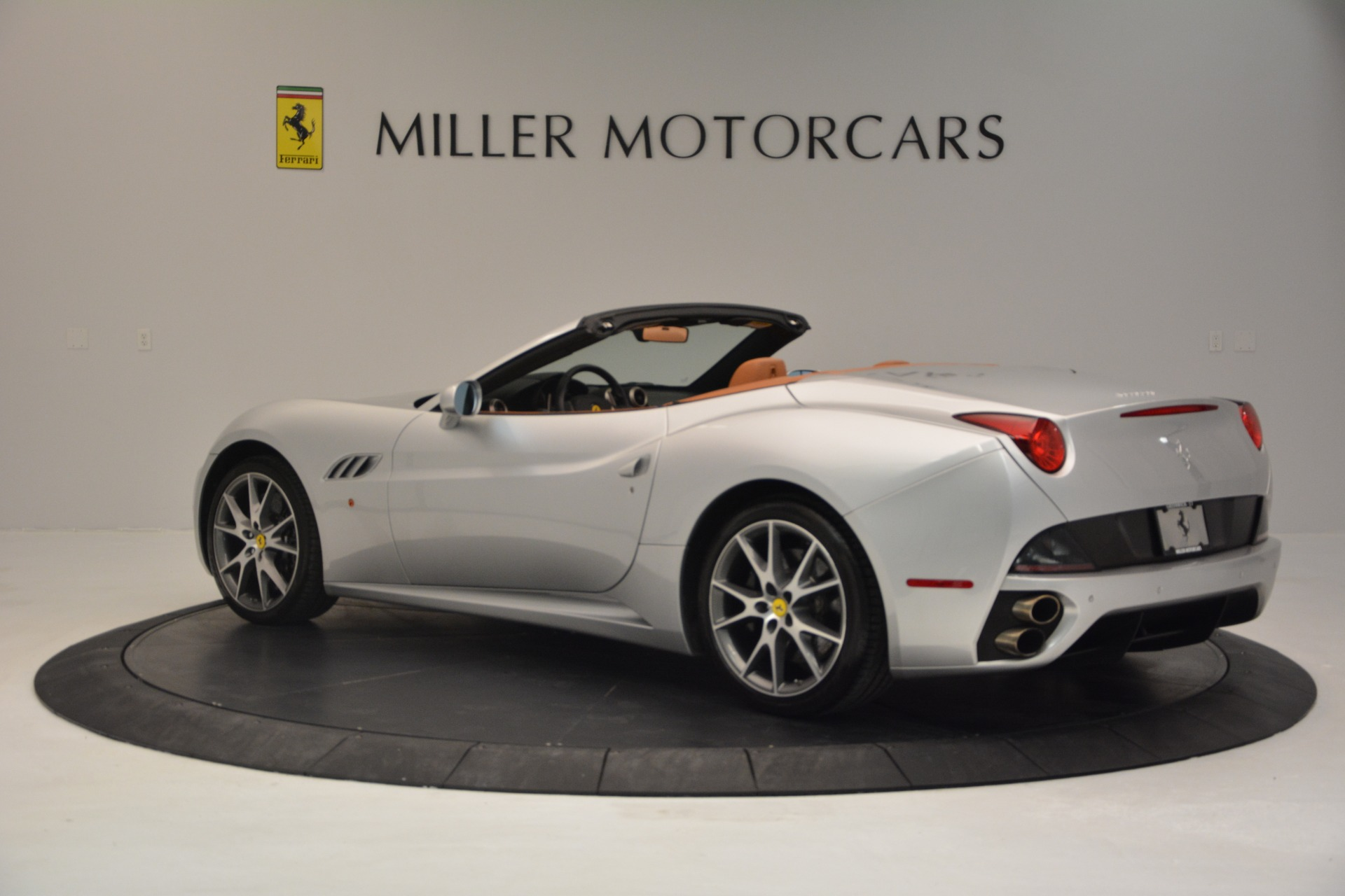 Used 2010 Ferrari California  For Sale In Westport, CT 2732_p4