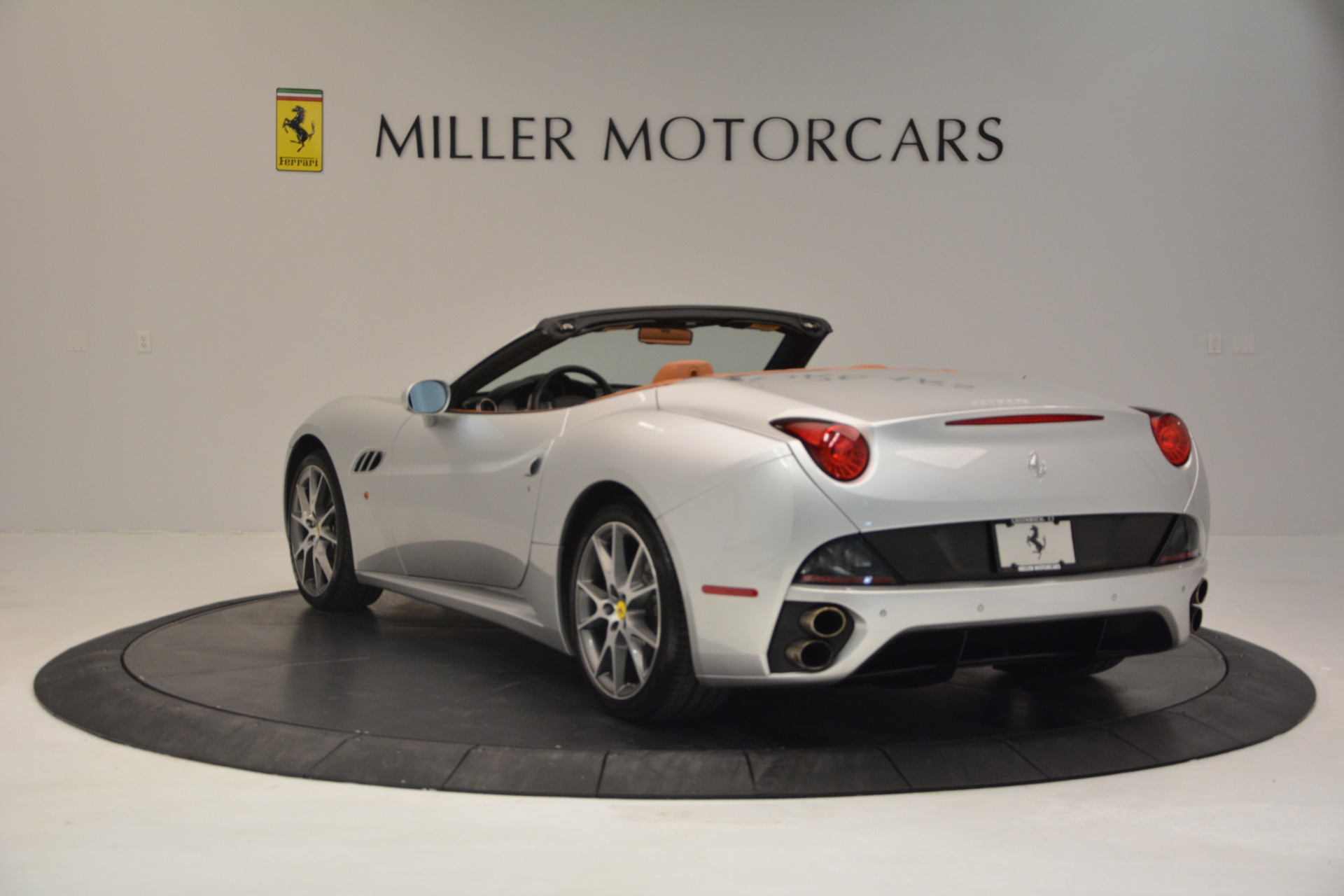 Used 2010 Ferrari California  For Sale In Westport, CT 2732_p5