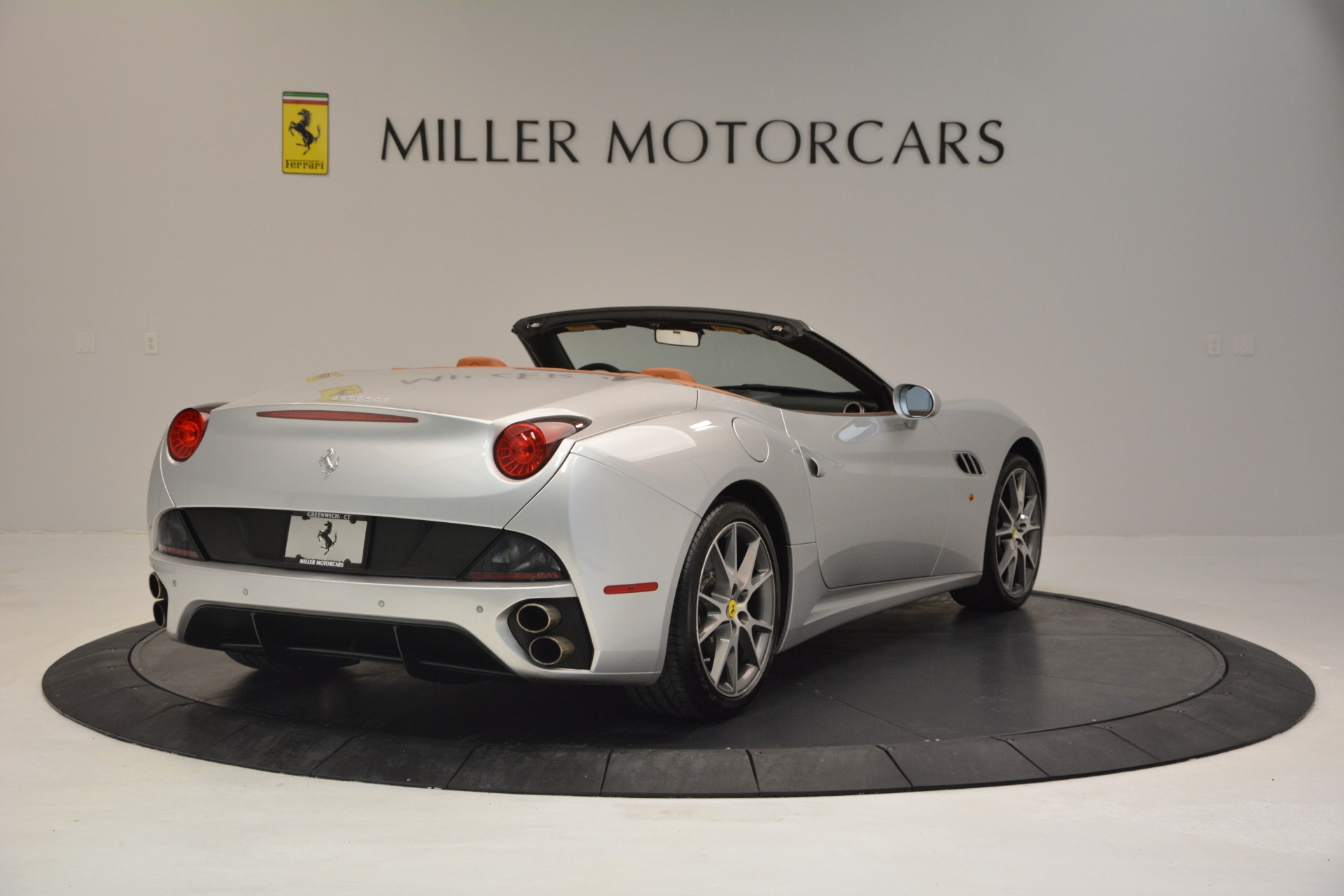 Used 2010 Ferrari California  For Sale In Westport, CT 2732_p7