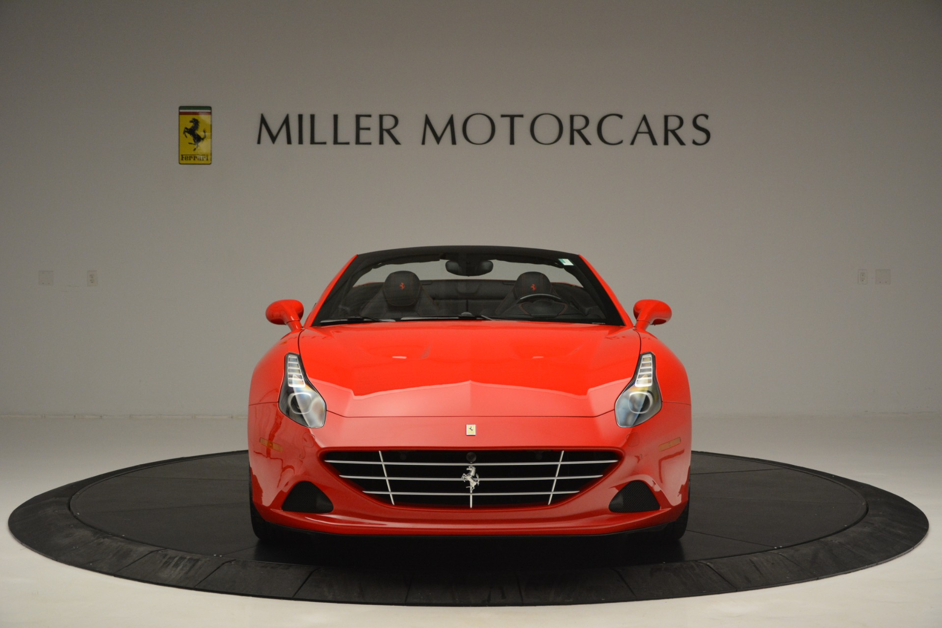Used 2016 Ferrari California T  For Sale In Westport, CT 2734_p12