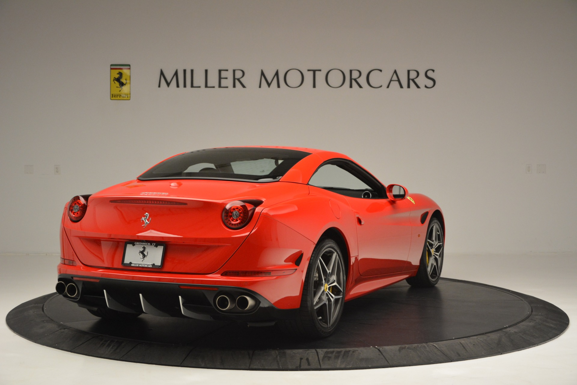 Used 2016 Ferrari California T  For Sale In Westport, CT 2734_p19