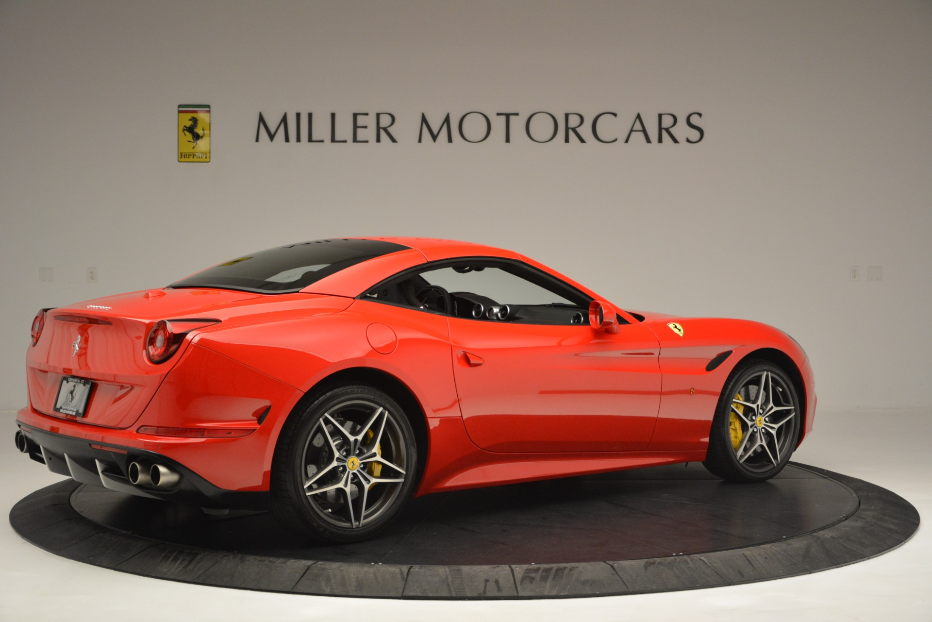 Used 2016 Ferrari California T  For Sale In Westport, CT 2734_p20