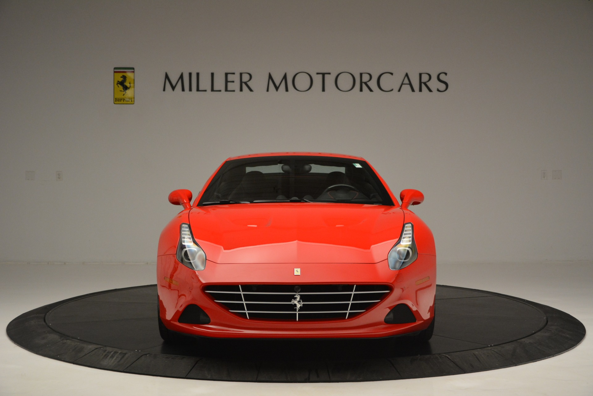 Used 2016 Ferrari California T  For Sale In Westport, CT 2734_p24