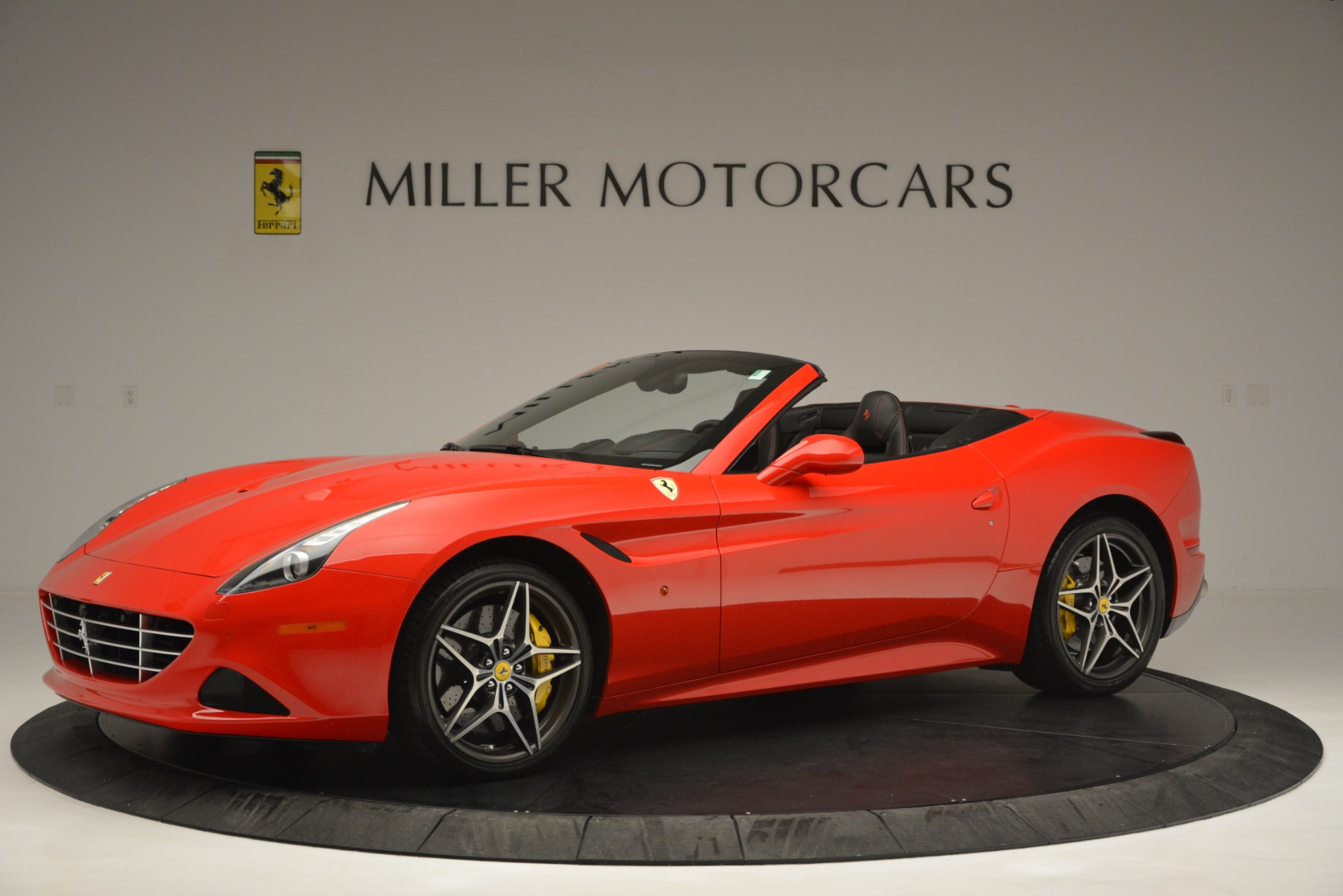 Used 2016 Ferrari California T  For Sale In Westport, CT 2734_p2
