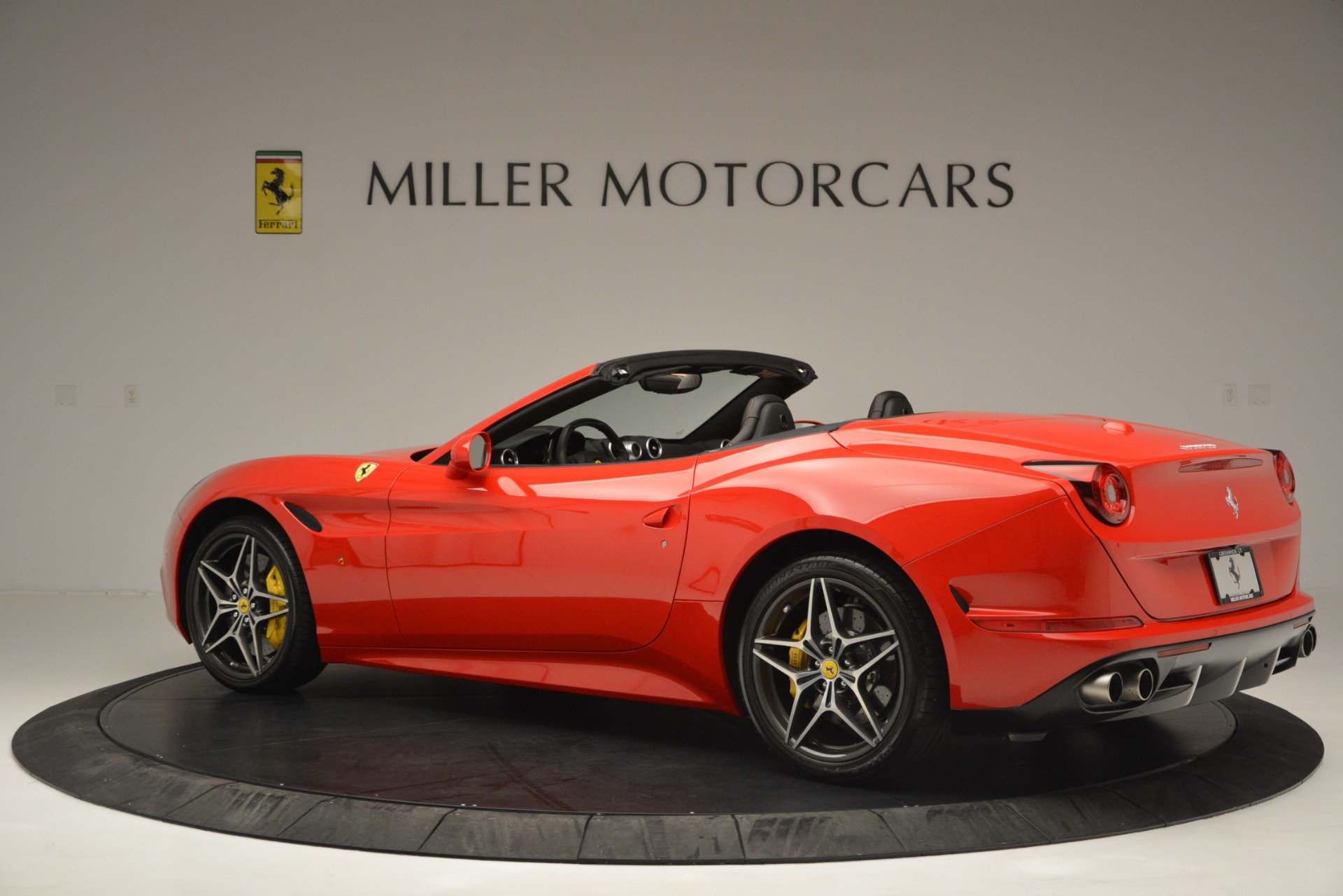 Used 2016 Ferrari California T  For Sale In Westport, CT 2734_p4