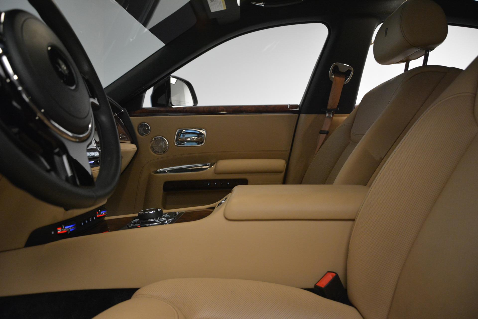 Used 2018 Rolls-Royce Ghost  For Sale In Westport, CT 2770_p15