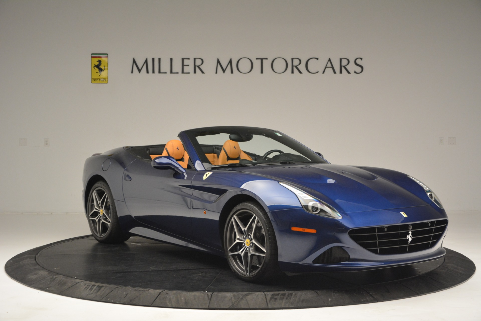 Used 2016 Ferrari California T  For Sale In Westport, CT 2773_p11
