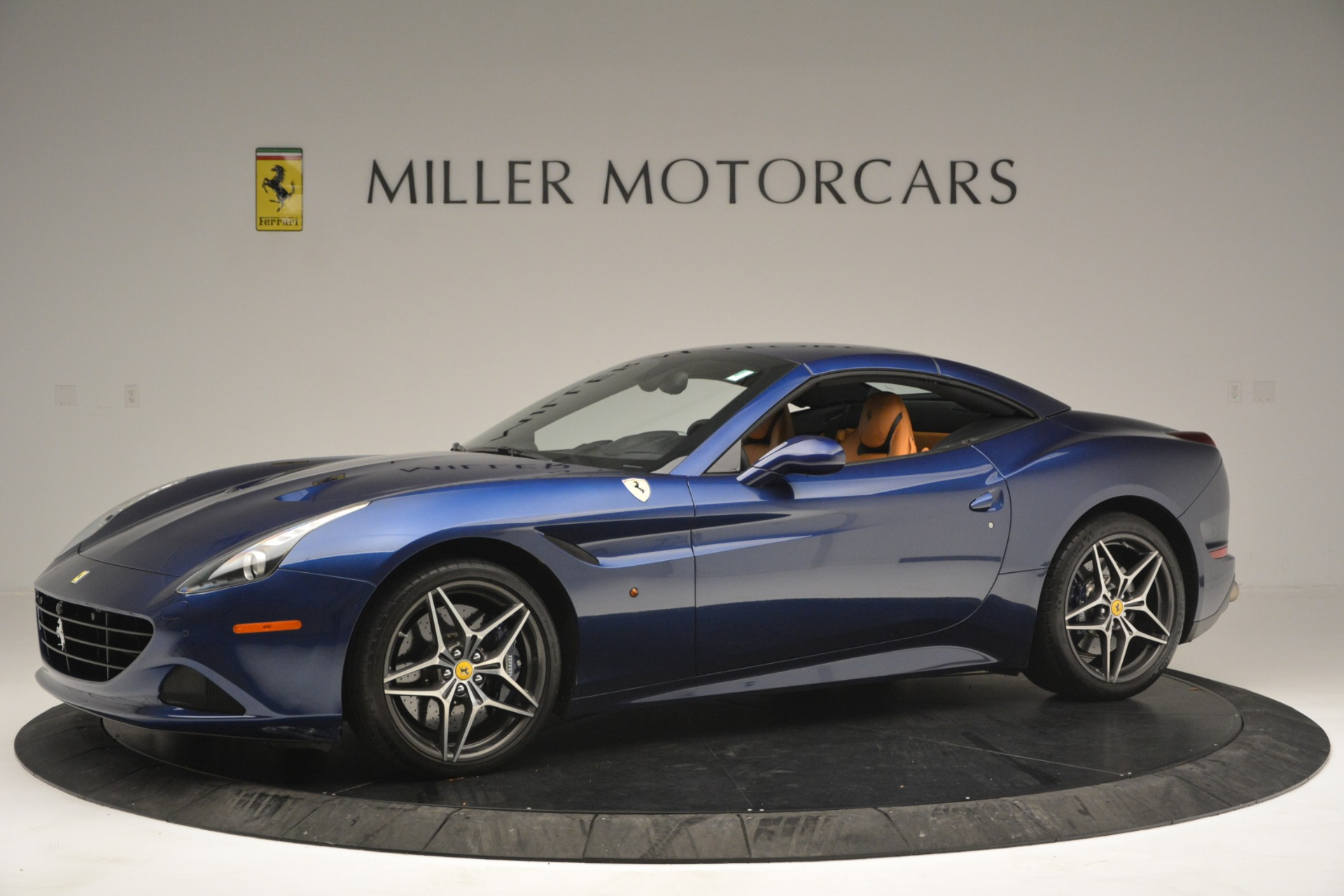 Used 2016 Ferrari California T  For Sale In Westport, CT 2773_p14