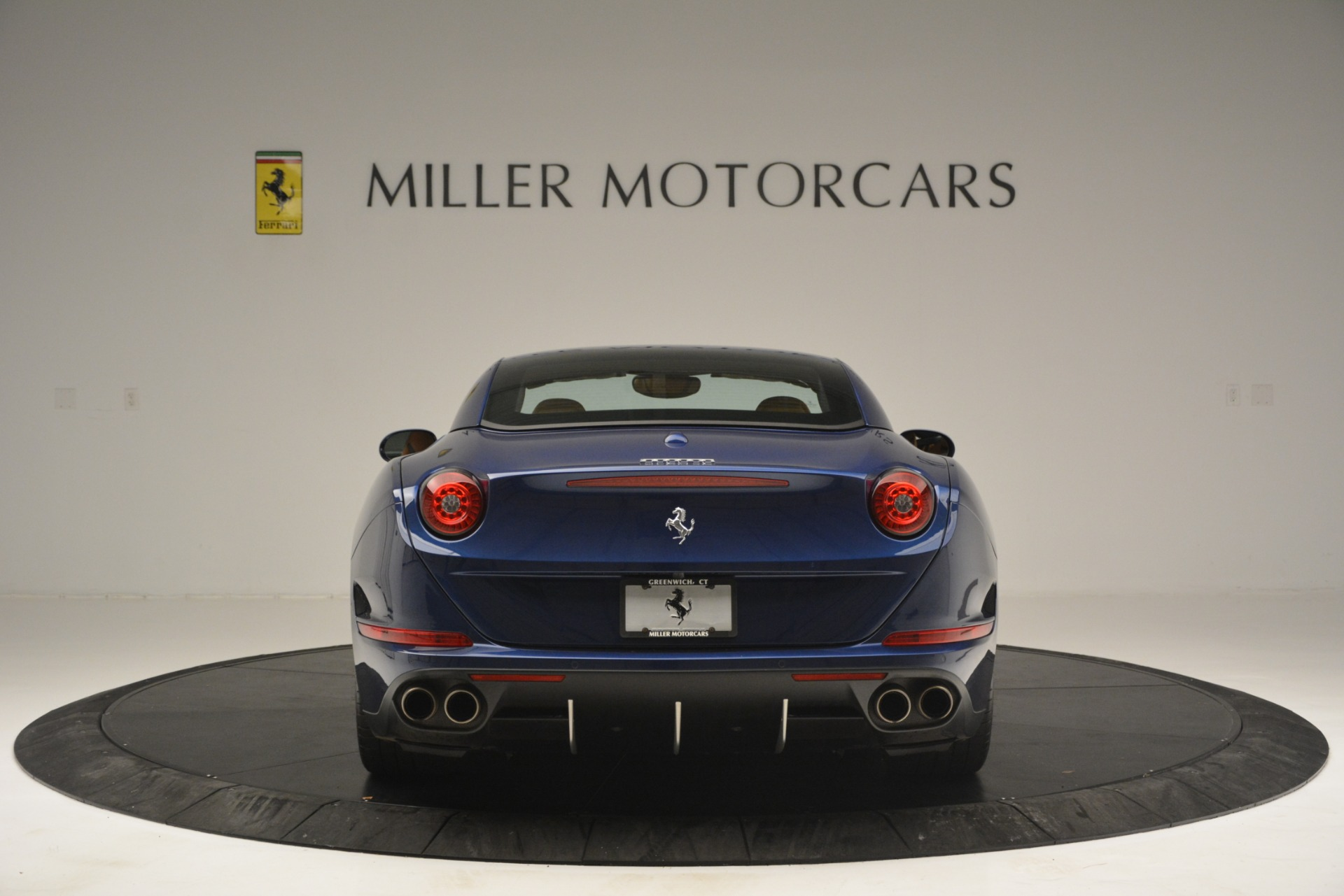 Used 2016 Ferrari California T  For Sale In Westport, CT 2773_p18