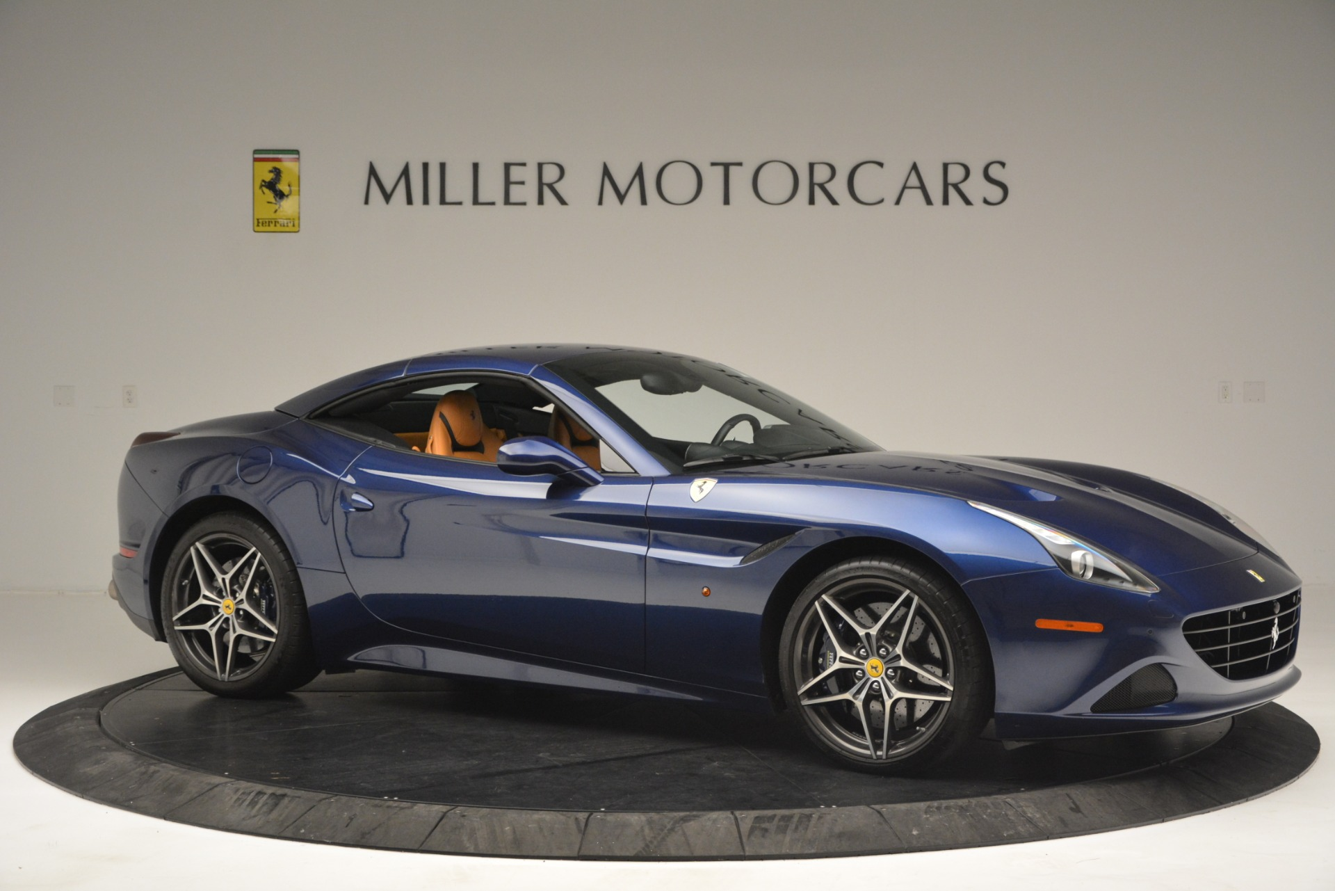 Used 2016 Ferrari California T  For Sale In Westport, CT 2773_p22