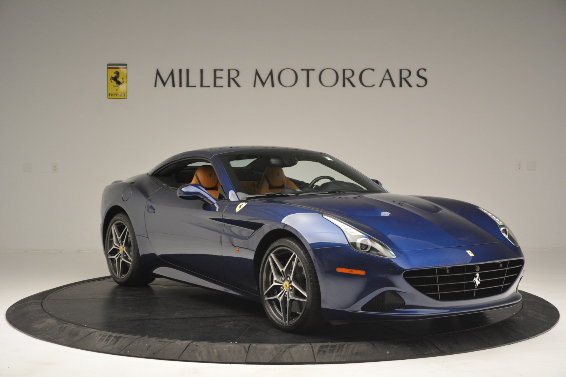 Used 2016 Ferrari California T  For Sale In Westport, CT 2773_p23