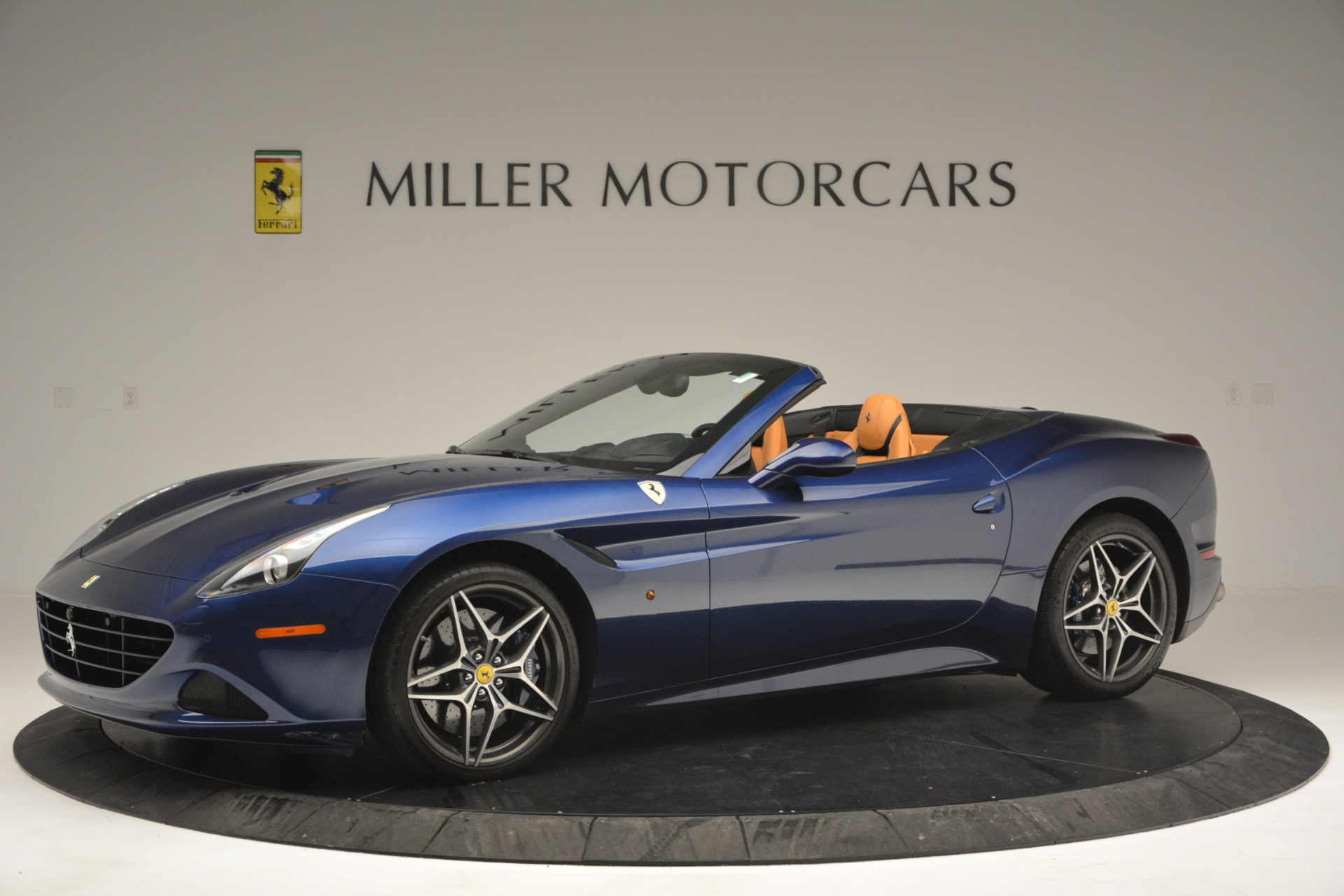 Used 2016 Ferrari California T  For Sale In Westport, CT 2773_p2