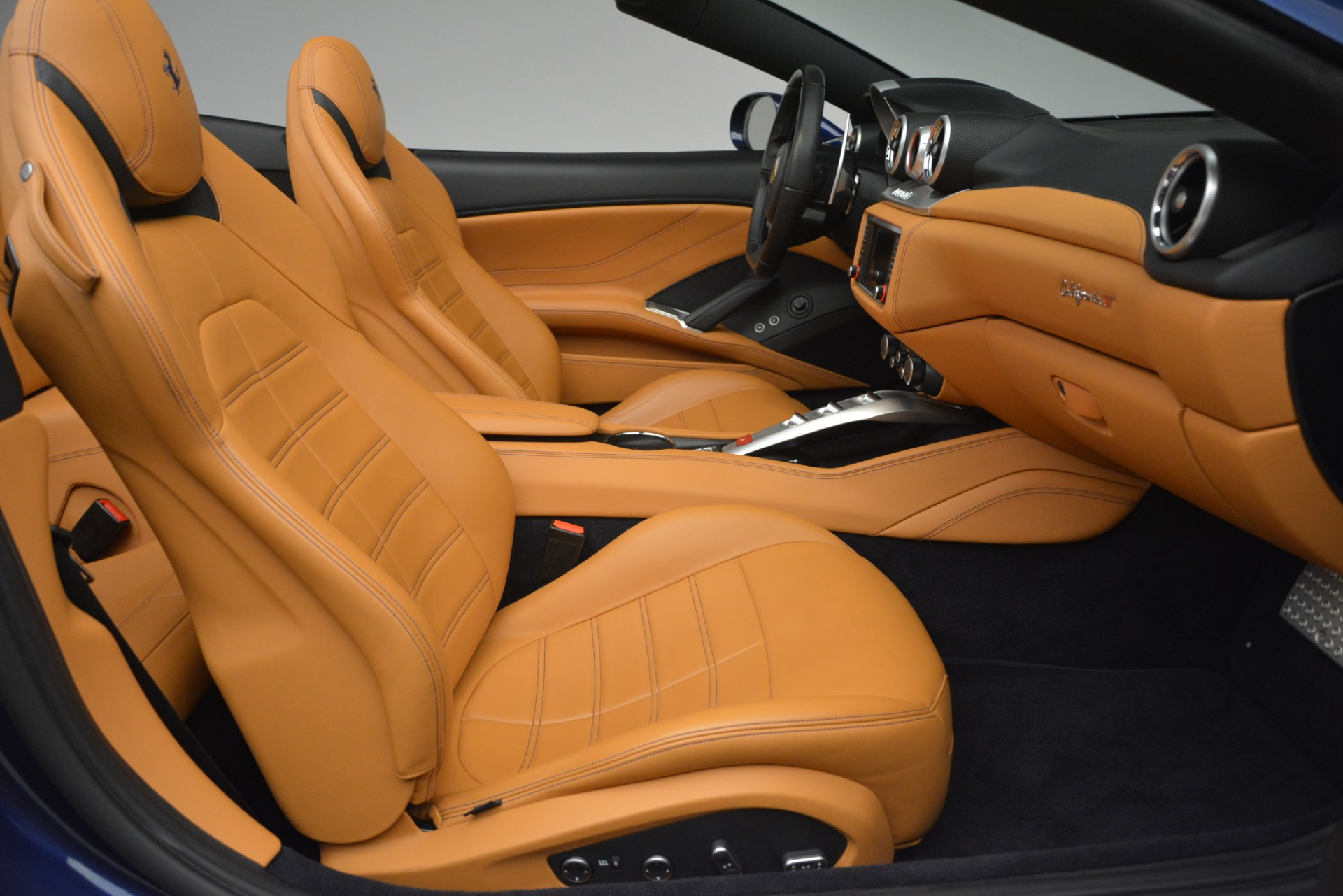 Used 2016 Ferrari California T  For Sale In Westport, CT 2773_p31