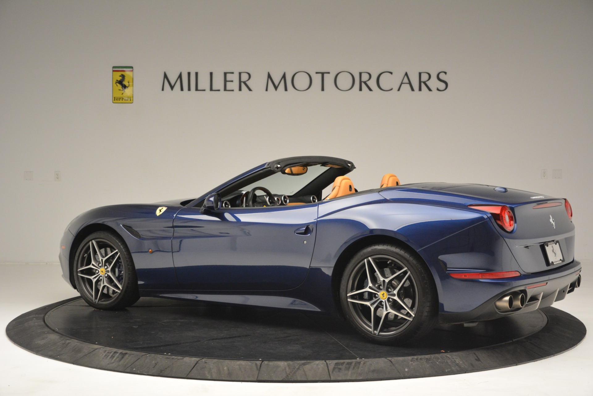Used 2016 Ferrari California T  For Sale In Westport, CT 2773_p4
