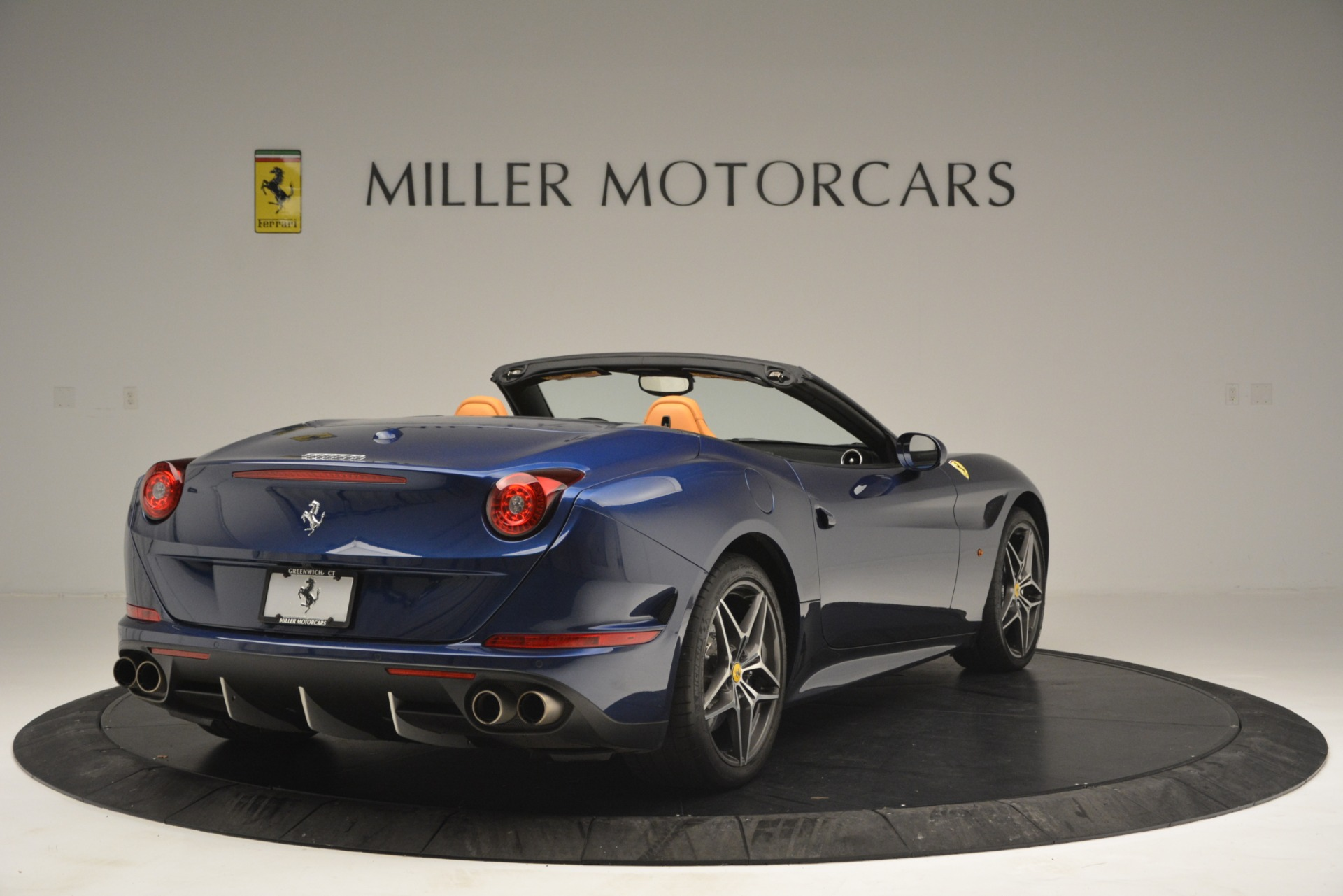 Used 2016 Ferrari California T  For Sale In Westport, CT 2773_p7
