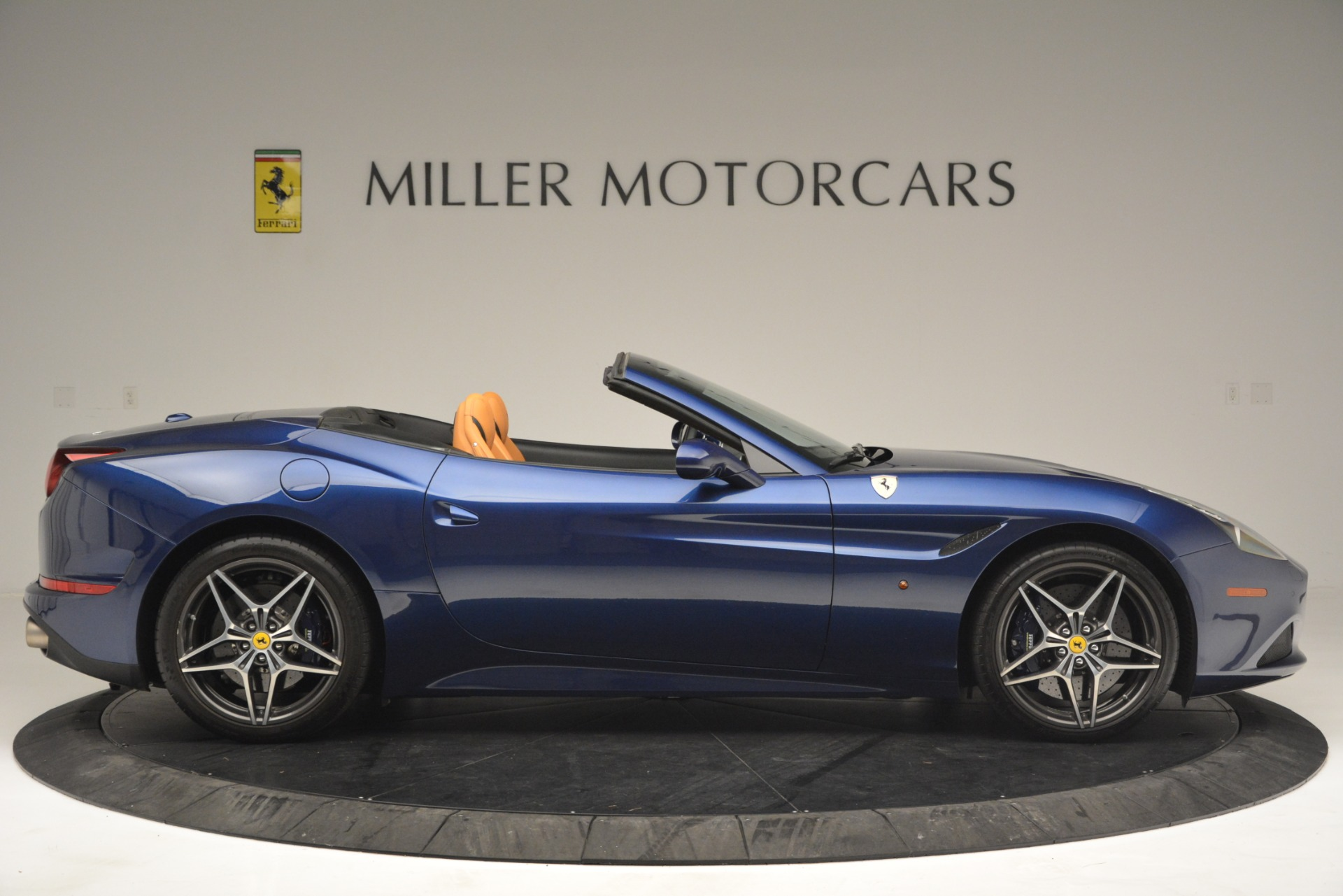 Used 2016 Ferrari California T  For Sale In Westport, CT 2773_p9