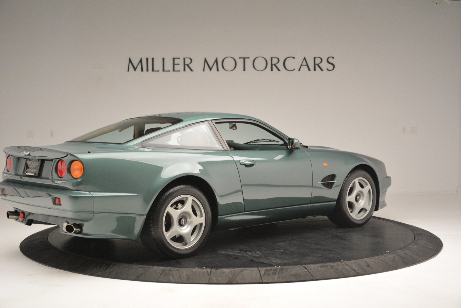 Used 1999 Aston Martin V8 Vantage Le Mans V600 Coupe For Sale In Westport, CT 2789_p9