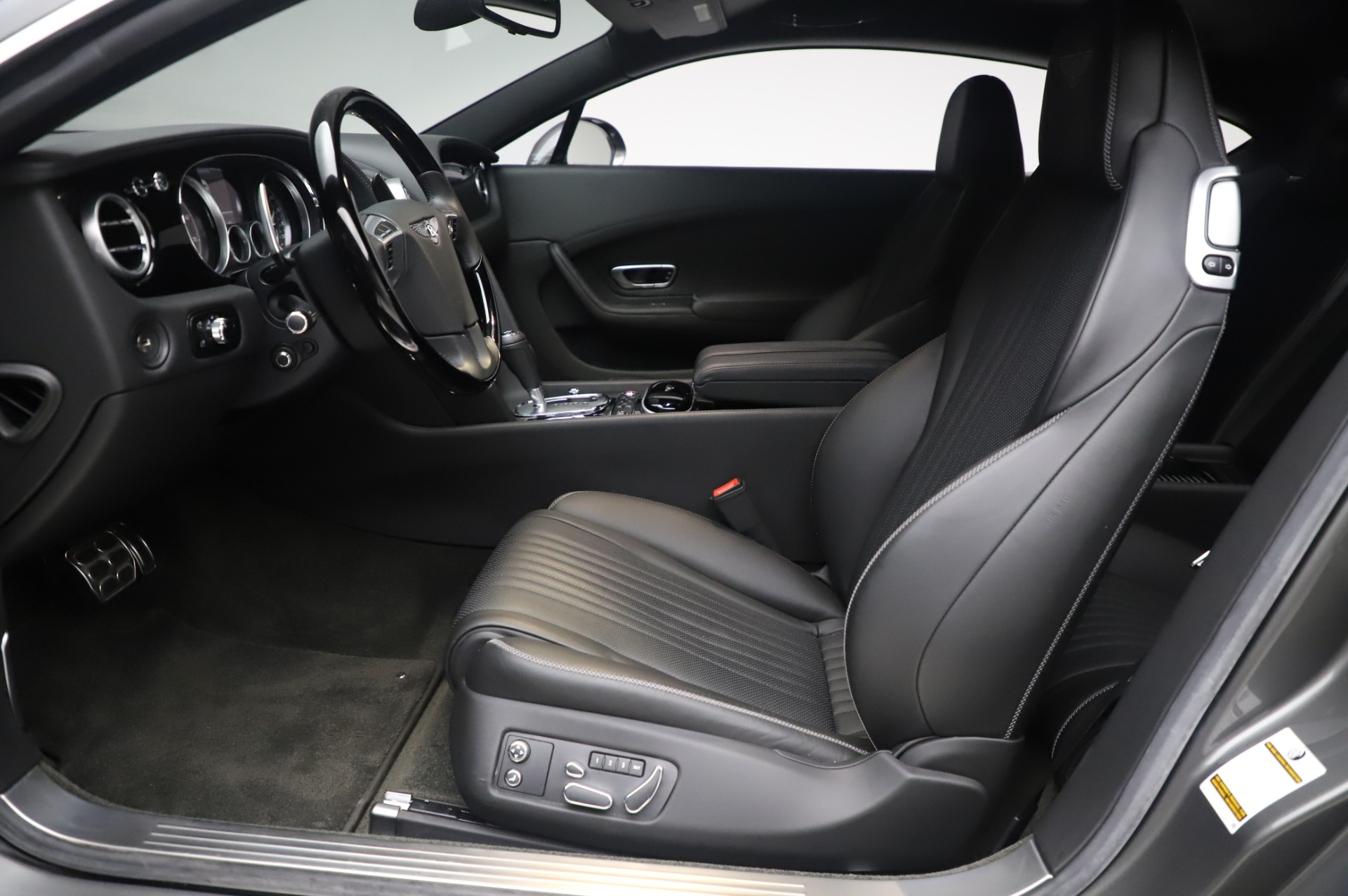Used 2016 Bentley Continental GT W12 For Sale In Westport, CT 28_p14