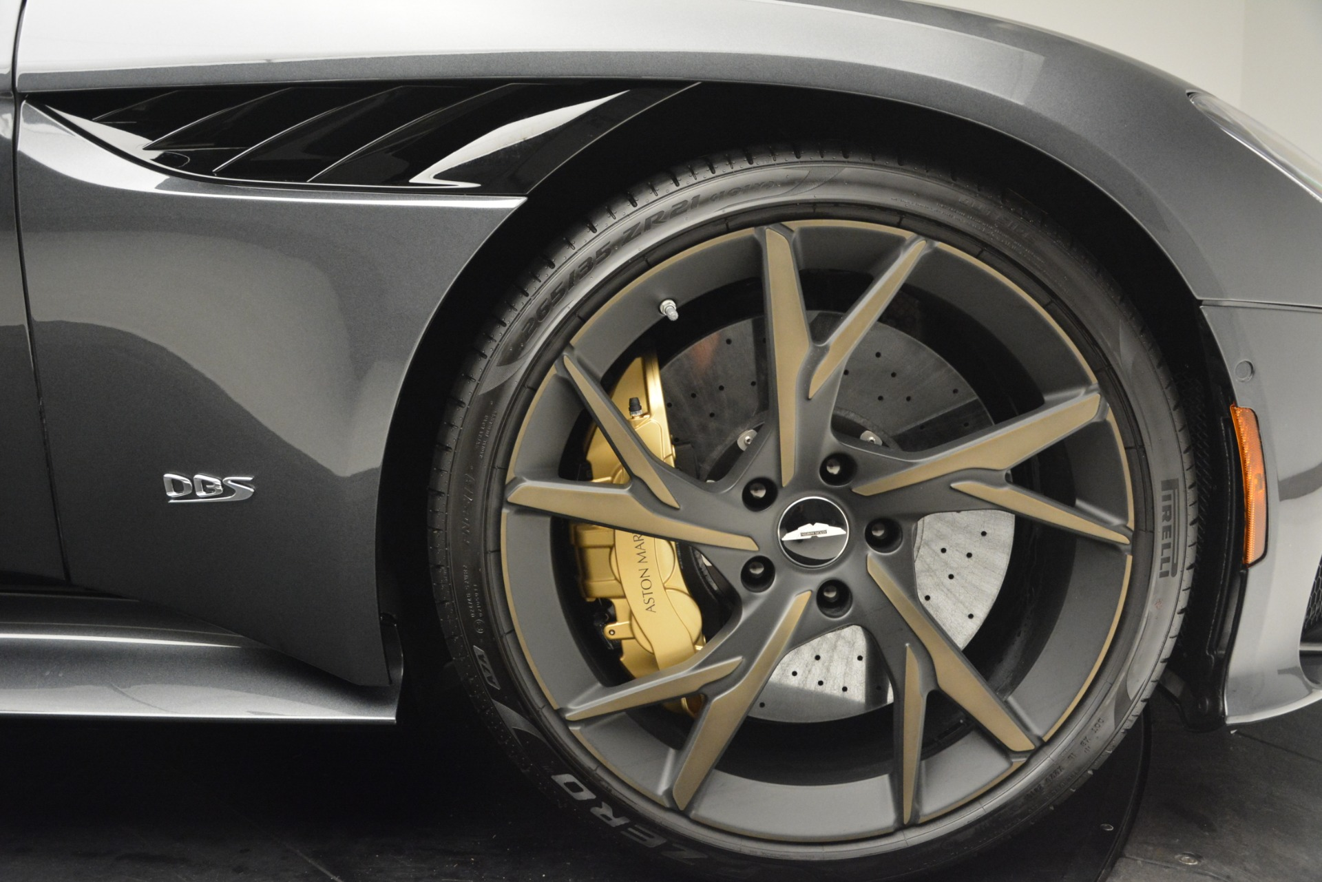 New 2019 Aston Martin DBS Superleggera For Sale In Westport, CT 2827_p23