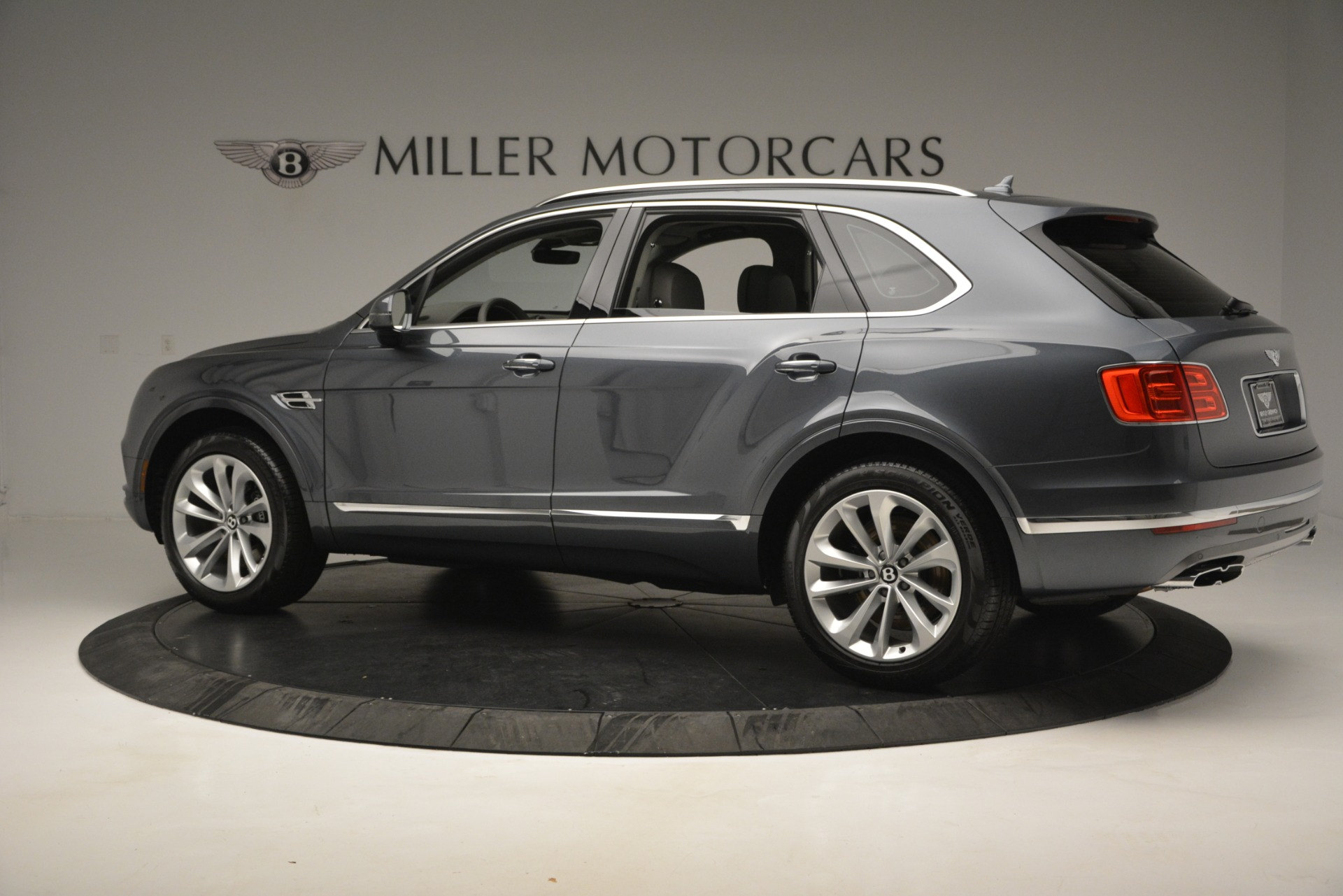 New 2019 Bentley Bentayga V8 For Sale In Westport, CT 2828_p4